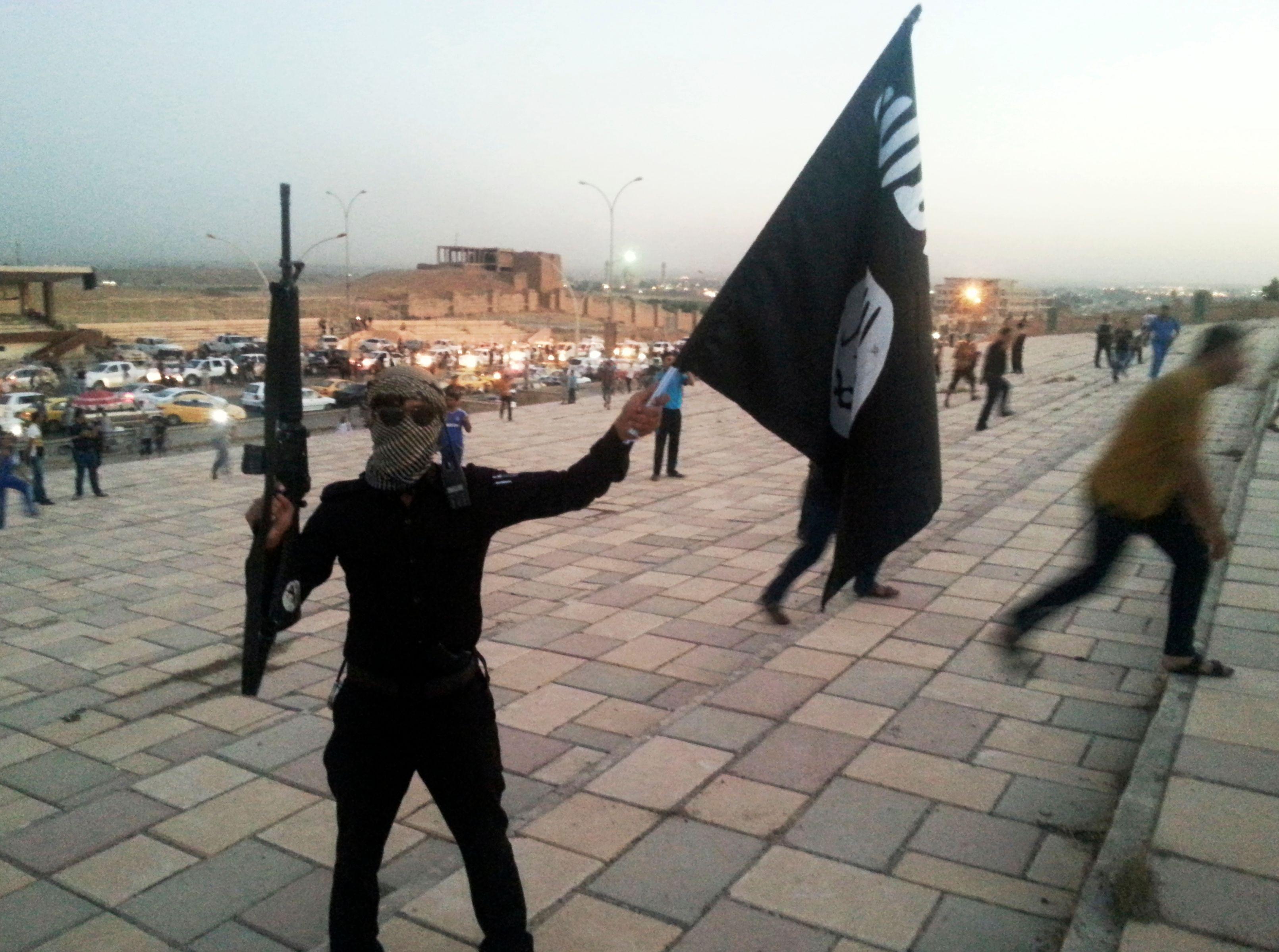 """Irak : le chef de l'Etat islamique appelle ses troupes à """"tenir"""" Mossoul"""