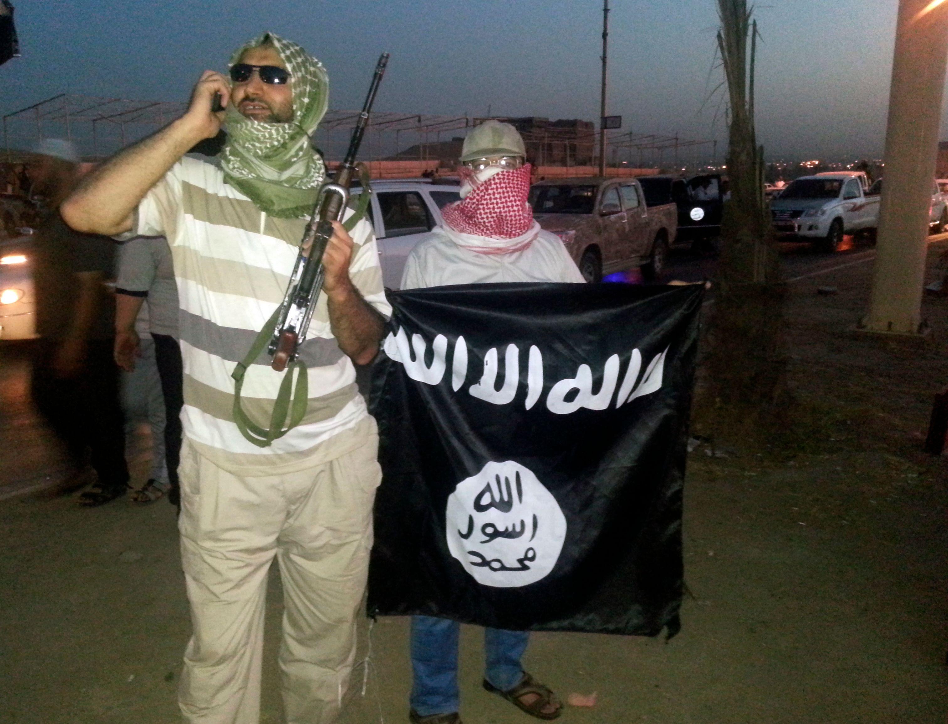 L'Etat islamique décapite deux hommes accusés d'homosexualité et un autre de blasphème