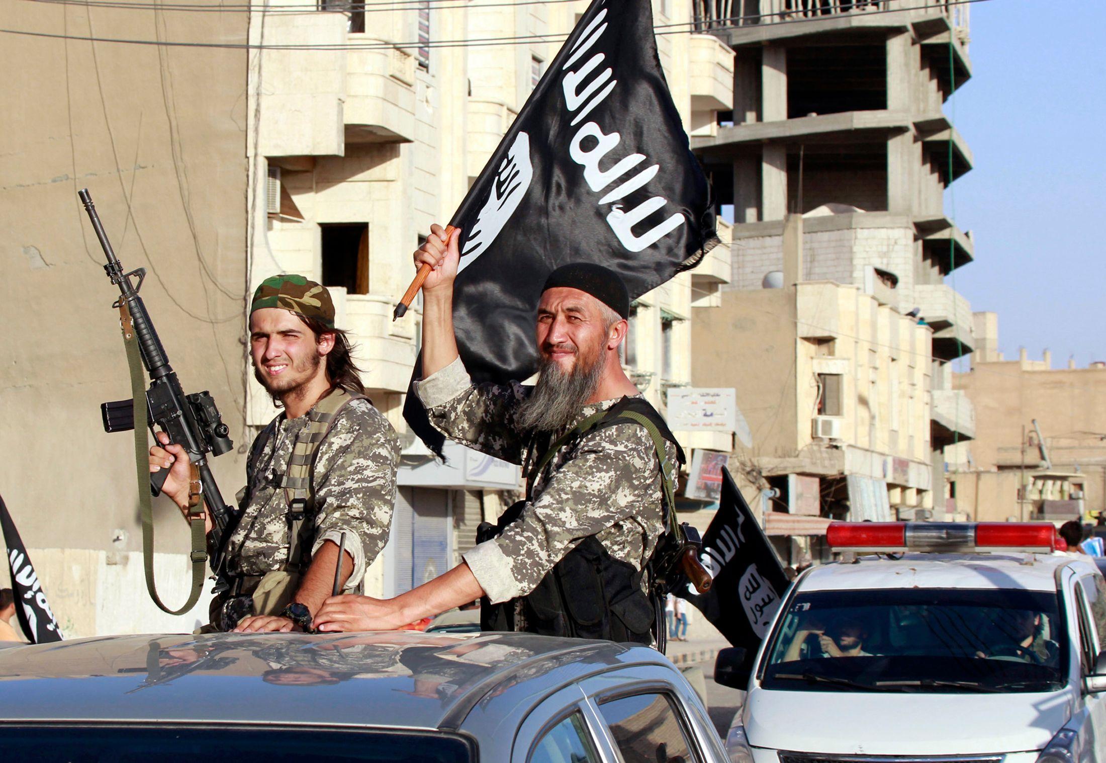 Etat islamique : les djihadistes filment leurs massacres en Syrie et en Irak