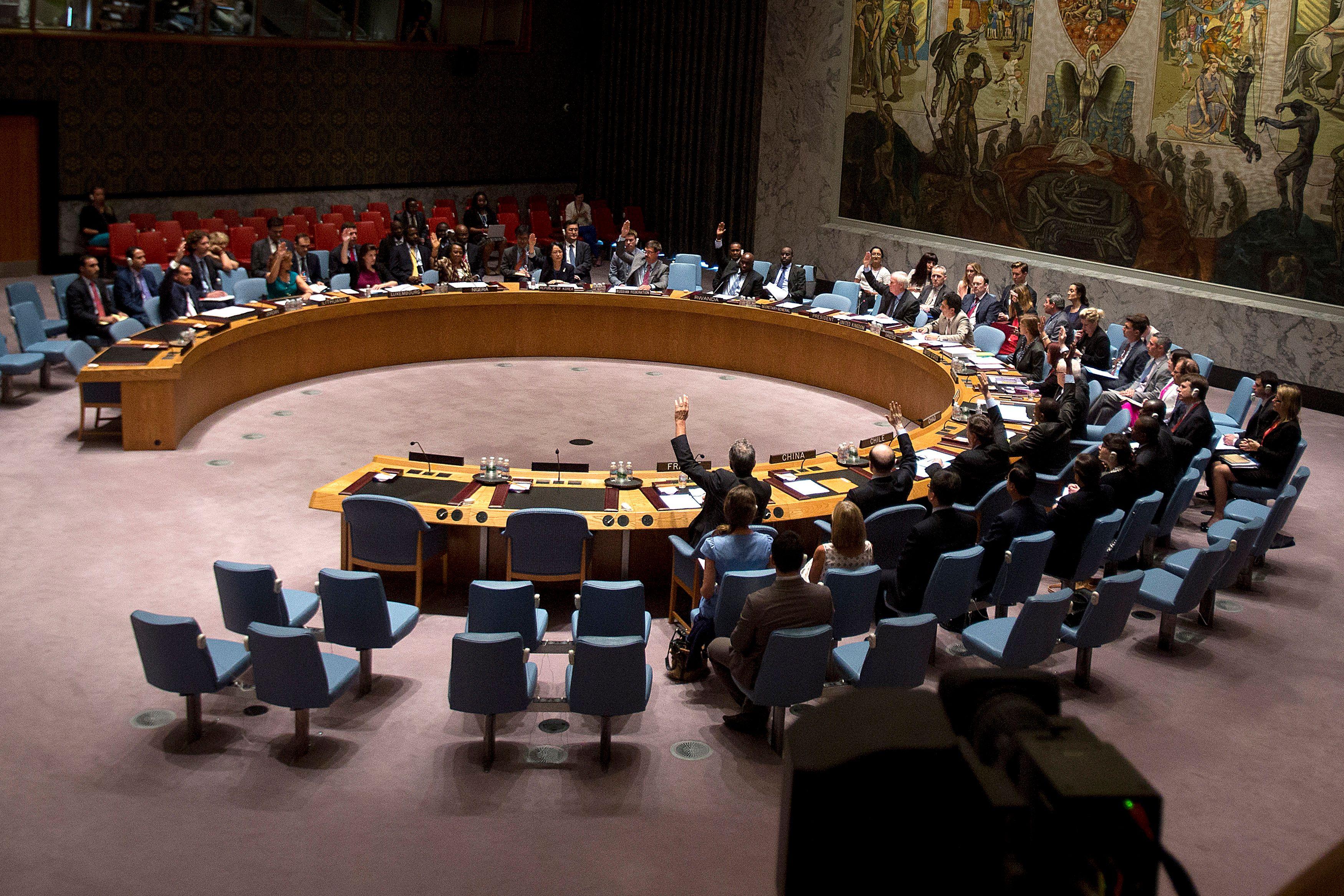 """Attaque chimique en Syrie : Marine Le Pen estime que le veto russe à l'ONU """"pose un problème"""""""