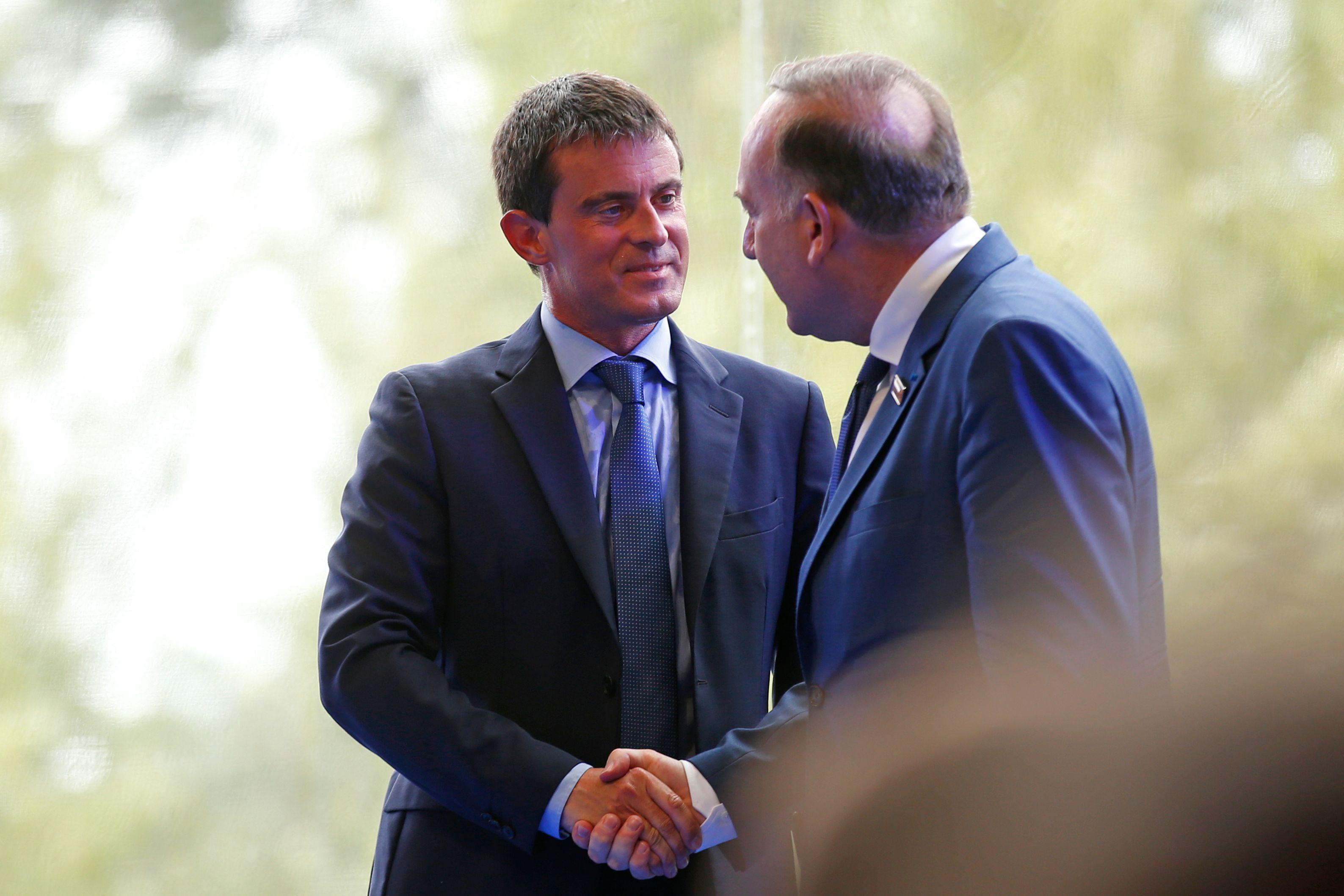 En coulisse, Pierre Gattaz ne s'en cache pas : il faut épargner Manuel Valls.
