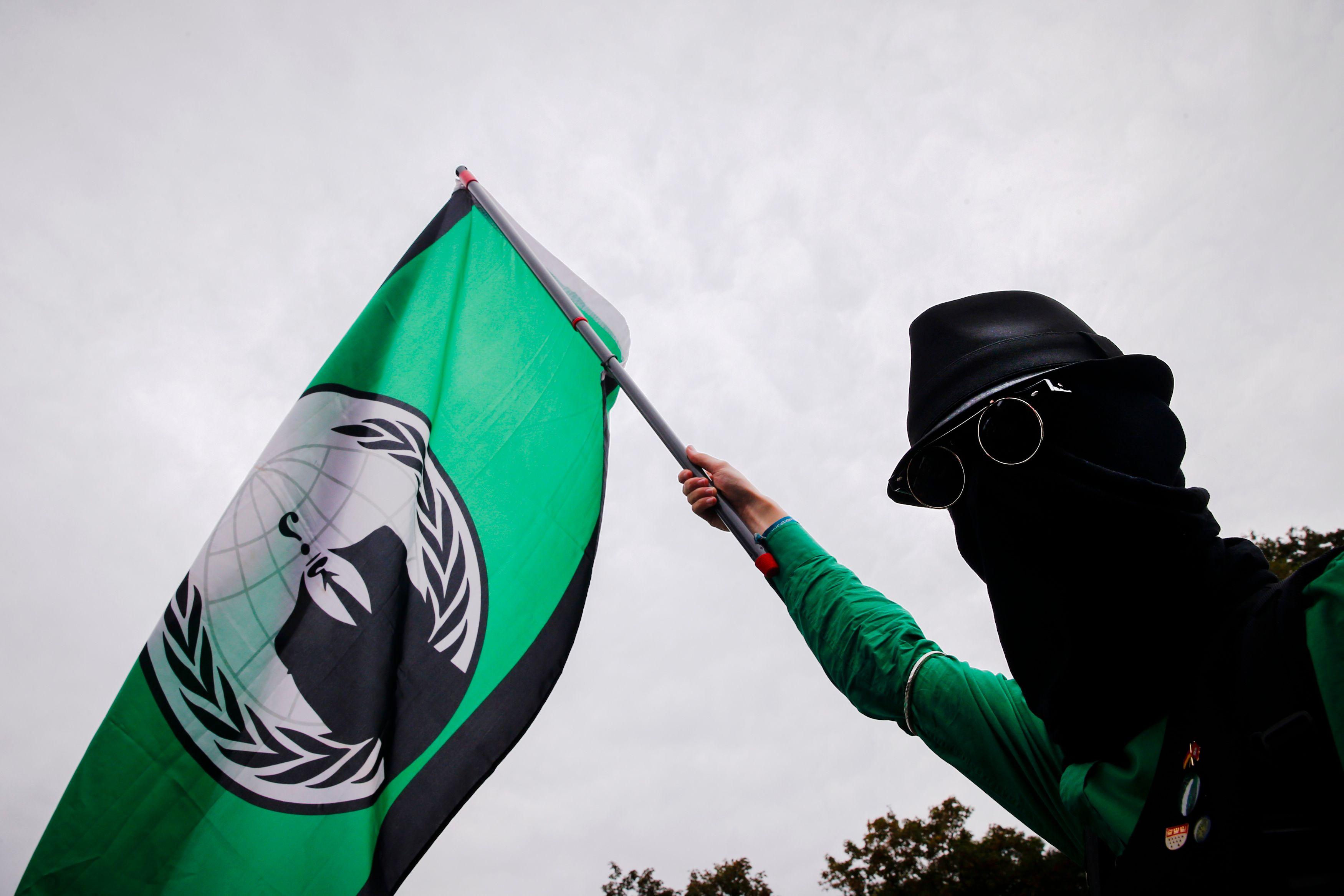 Anonymous déclare la guerre à l'Etat islamique : mais qu'ont-ils les moyens de faire réellement ?