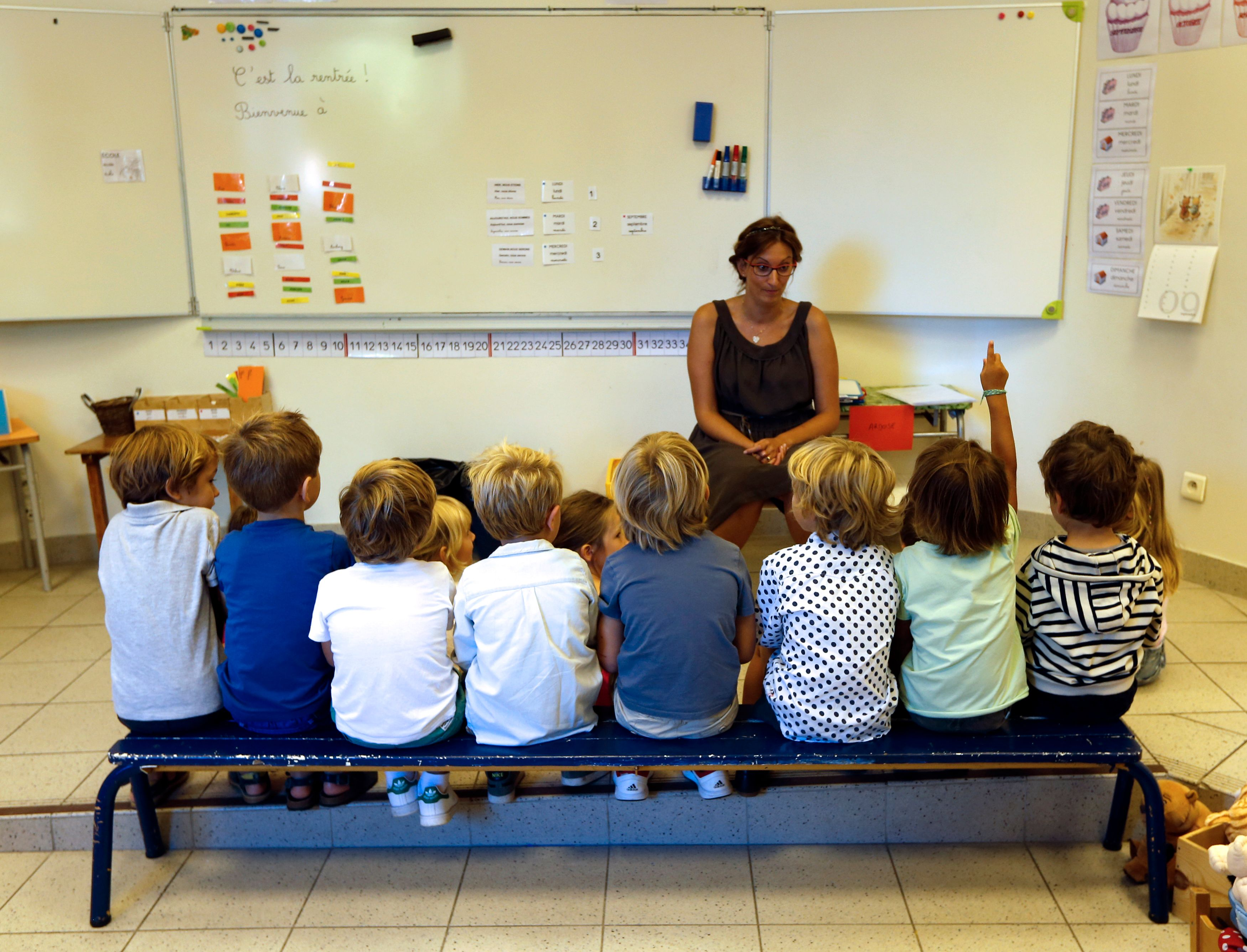 Les REP déterminent la classe des inégalités en France.