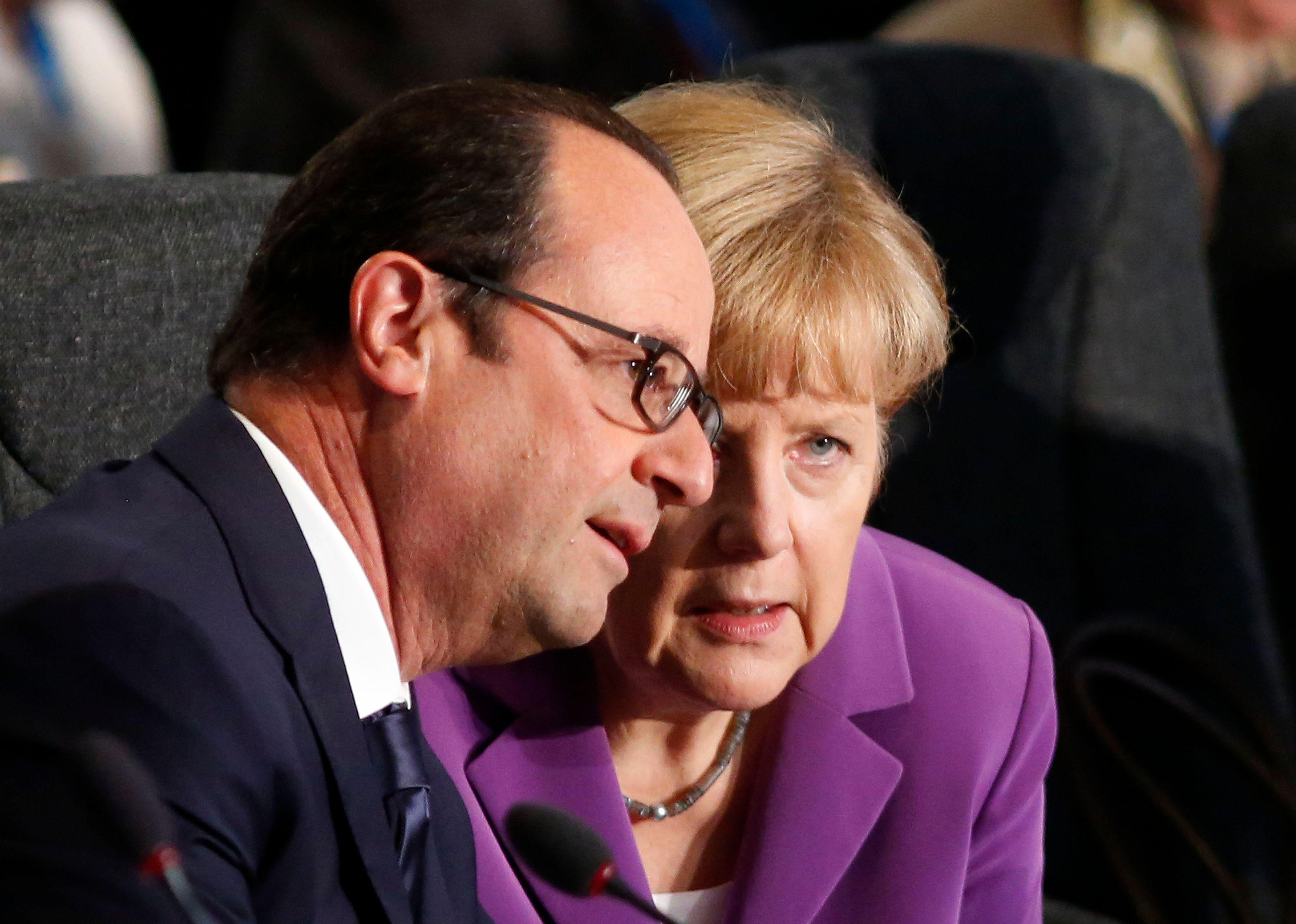 """Migrants : François Hollande et Angela Merkel déclarent travailler """"dans le même esprit"""""""