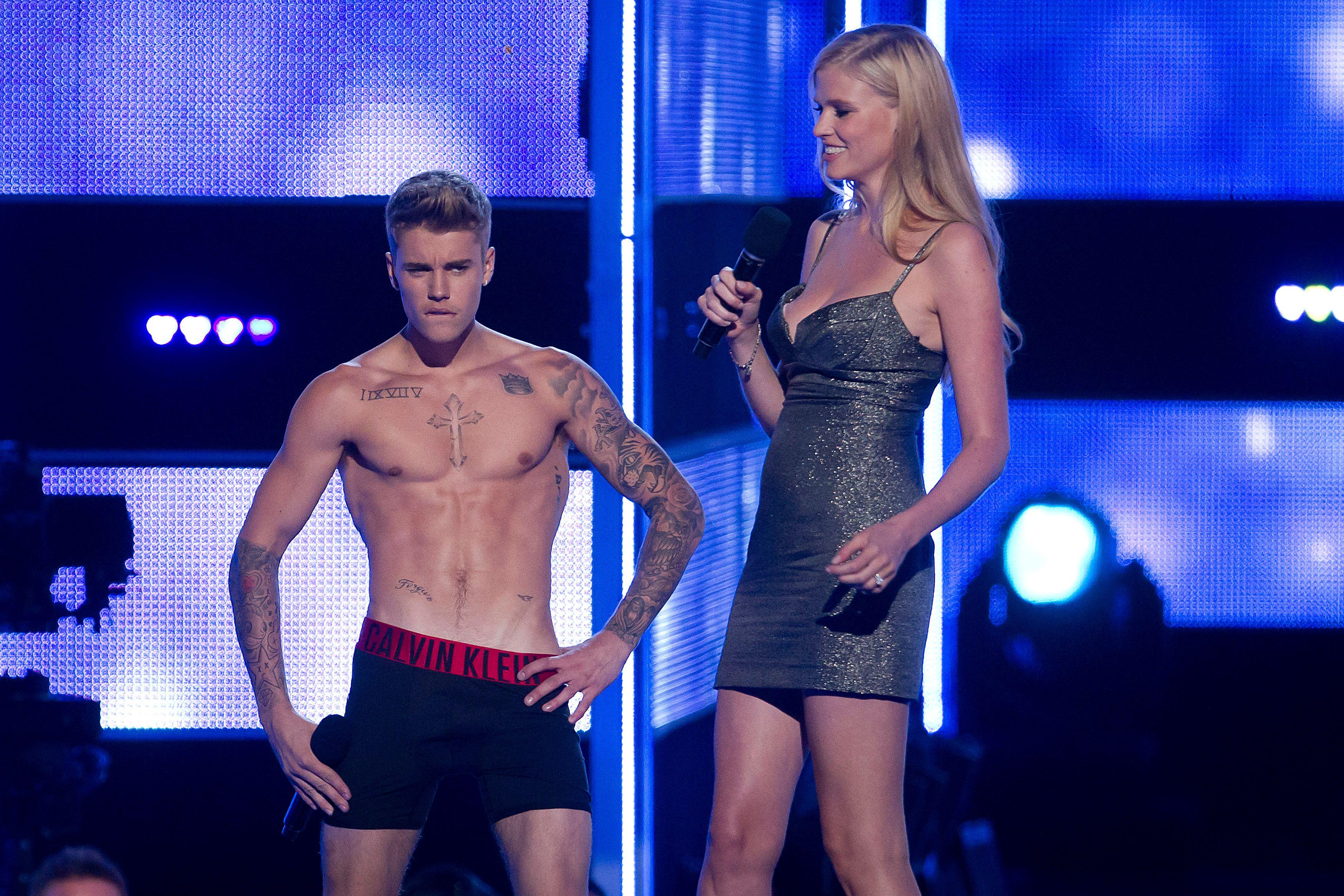 Justin Bieber se fait huer par ses fans à un concert et quitte la scène