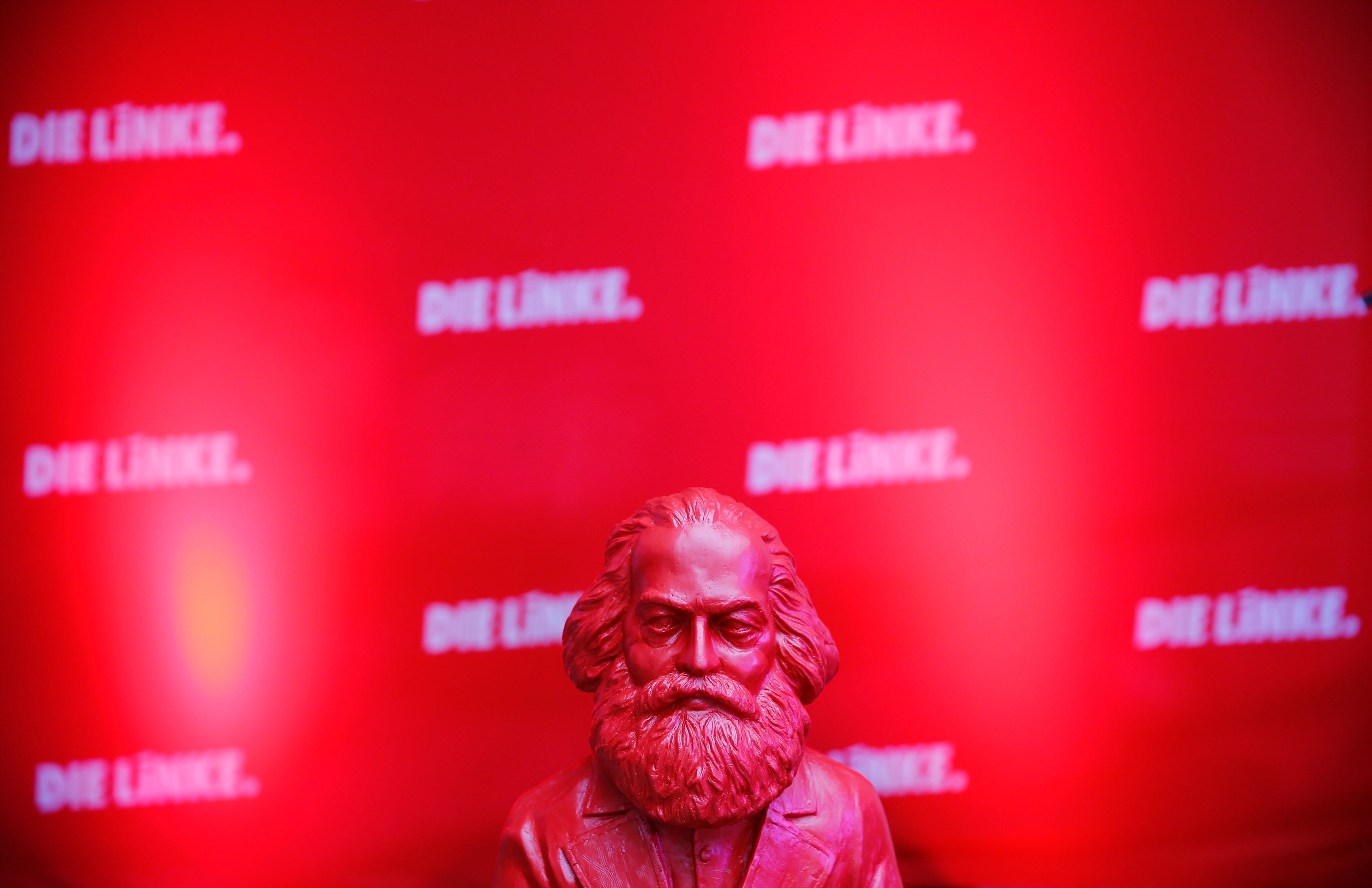 Le modèle révolutionnaire de Marx ou quand l'Etat au centre est le point autour duquel les monades peuvent évoluer de manière autonome