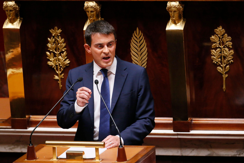 """Manuel Valls : """"Nous devons prendre des dispositifs exceptionnels pour représenter la démocratie et agir vite"""""""