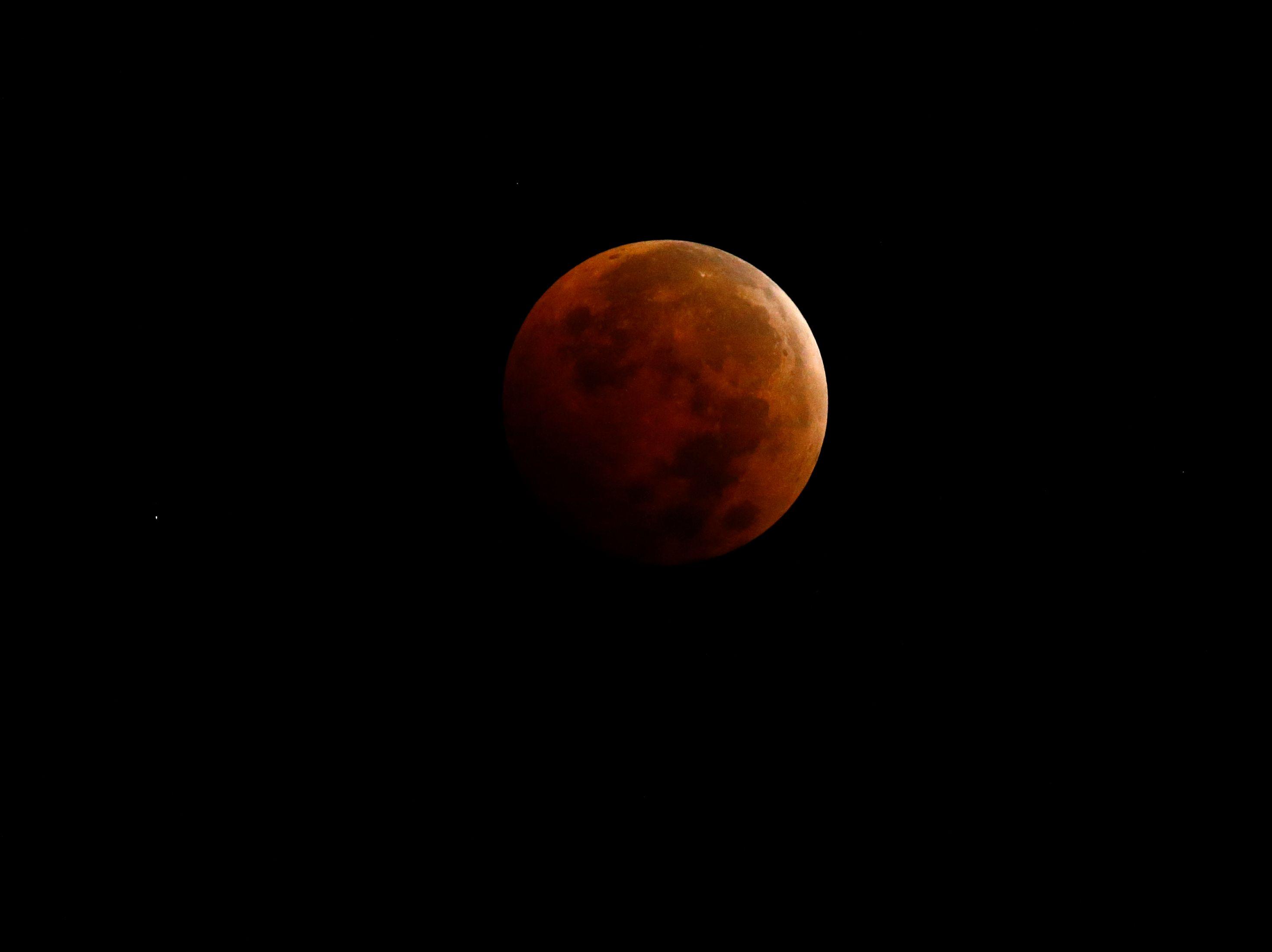 """""""Lune de sang"""" : une éclipse lunaire totale se produira samedi"""