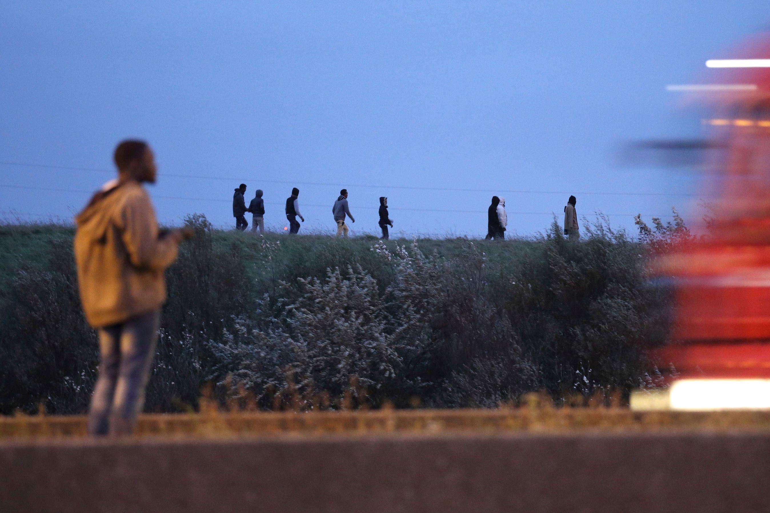 Crise des migrants : la maire de Calais menace d'interrompre la construction du mur
