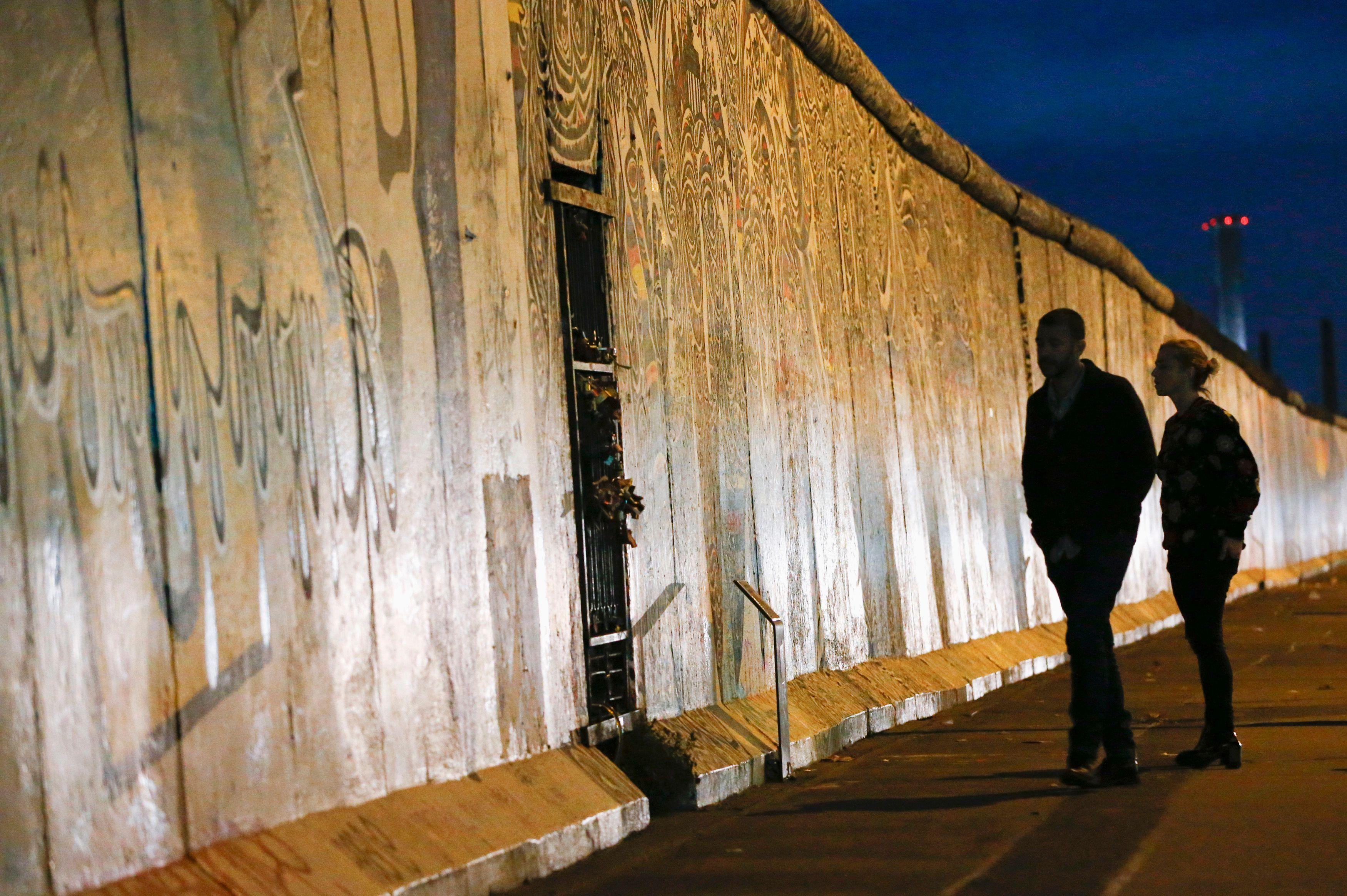 Reconstitution du mur de Berlin.