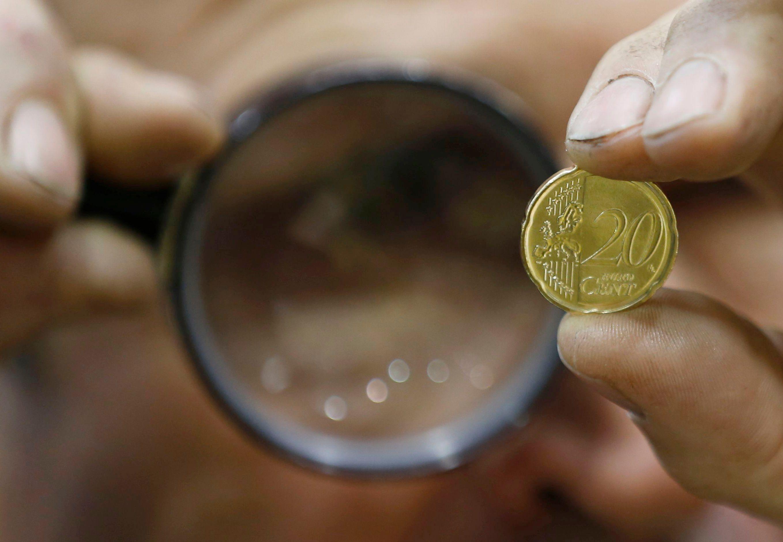 Après la vie publique, au tour de la vie économique de prouver sa transparence.