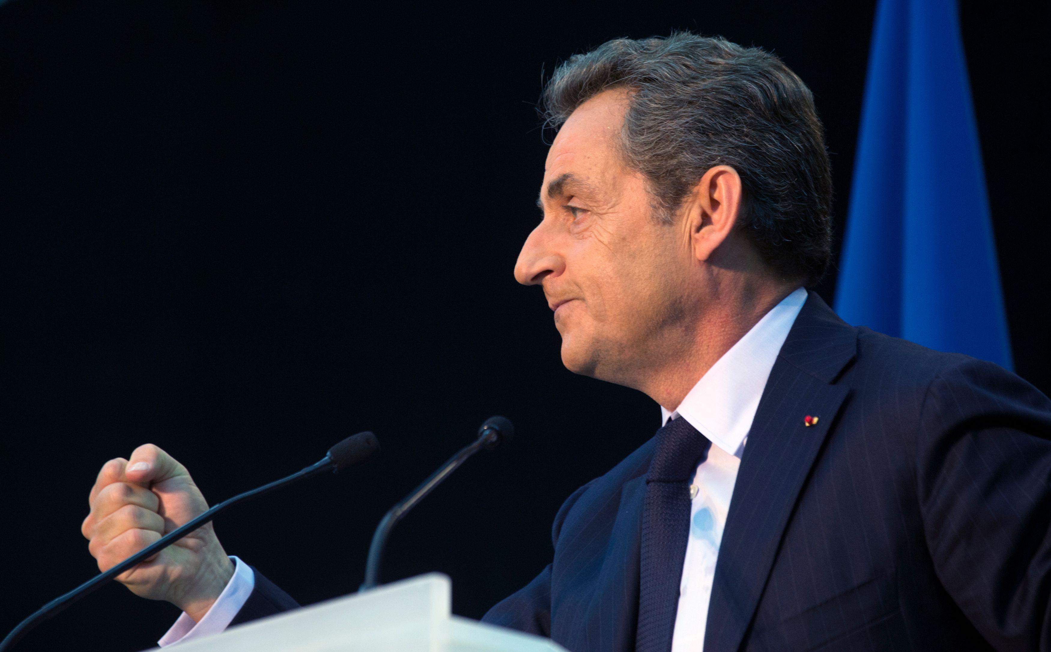 Sarkozy 2.0 : les 5 tweets qu'il ne fallait pas manquer pour comprendre l'offre politique qu'il entend incarner pour 2017