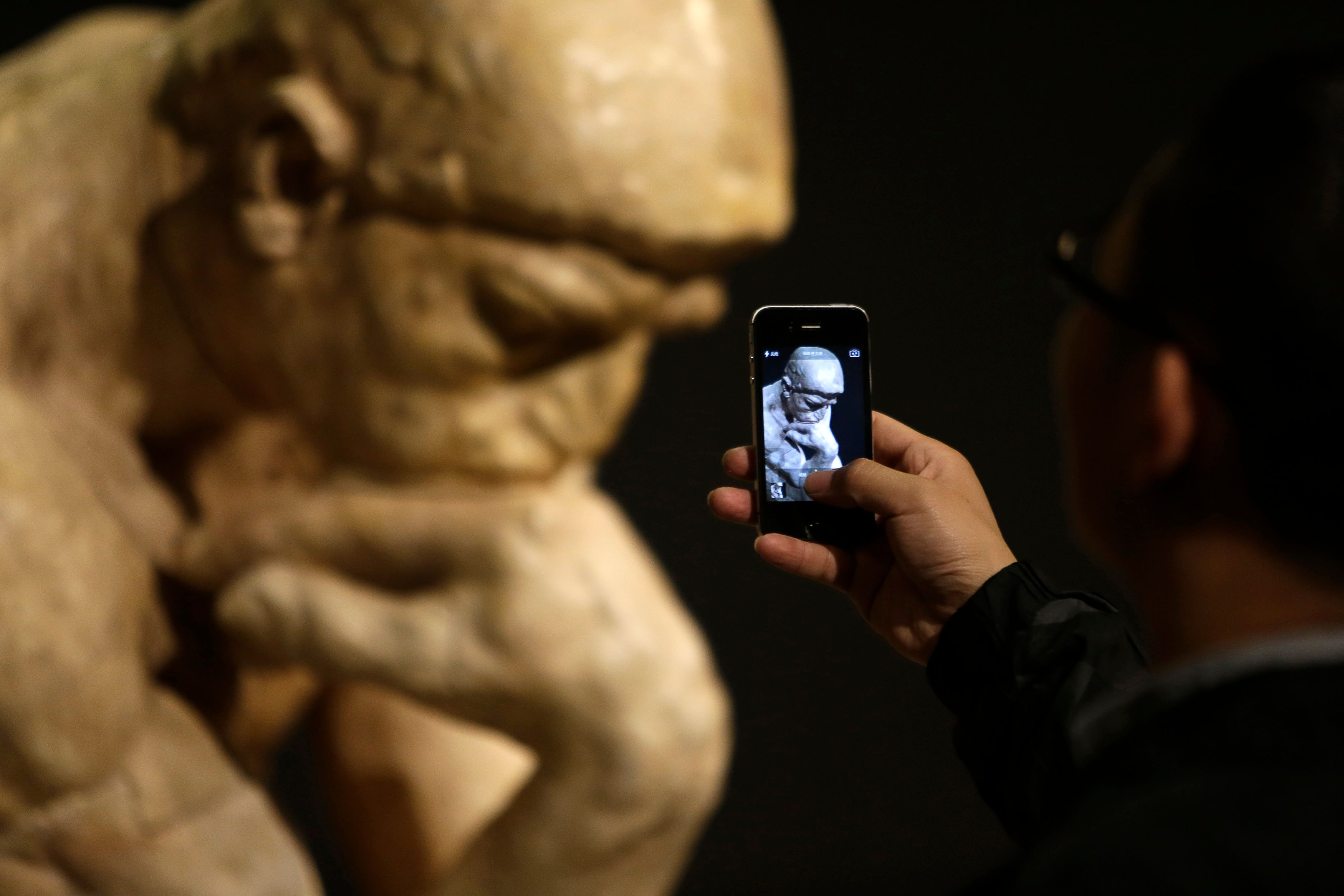 le libéralisme doit plus que jamais se (re)poser la question de ce qu'est l'Homme (sculpture de Rodin ici en illustration).