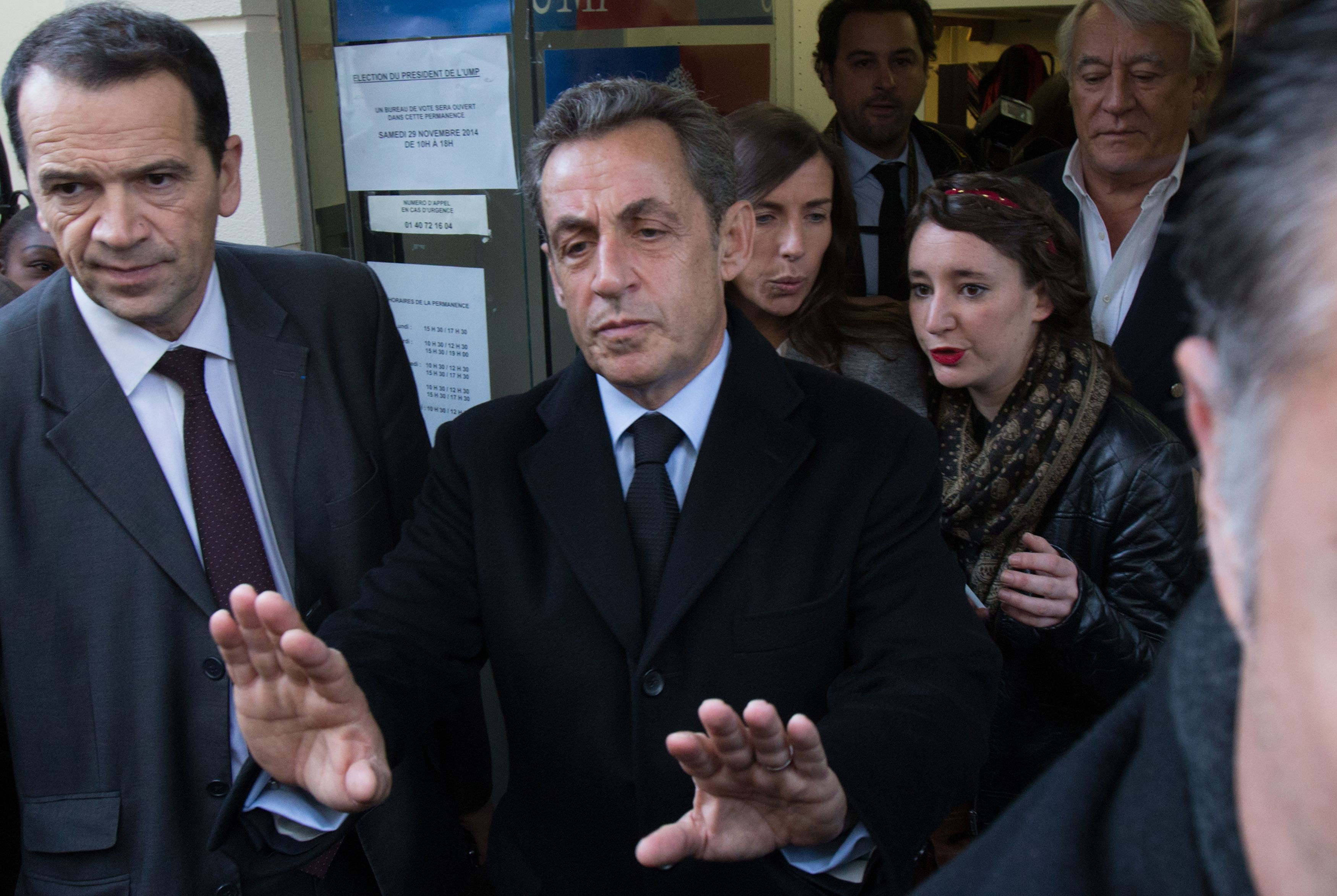 Face aux défis de la droite, Nicolas Sarkozy veut prendre de la hauteur