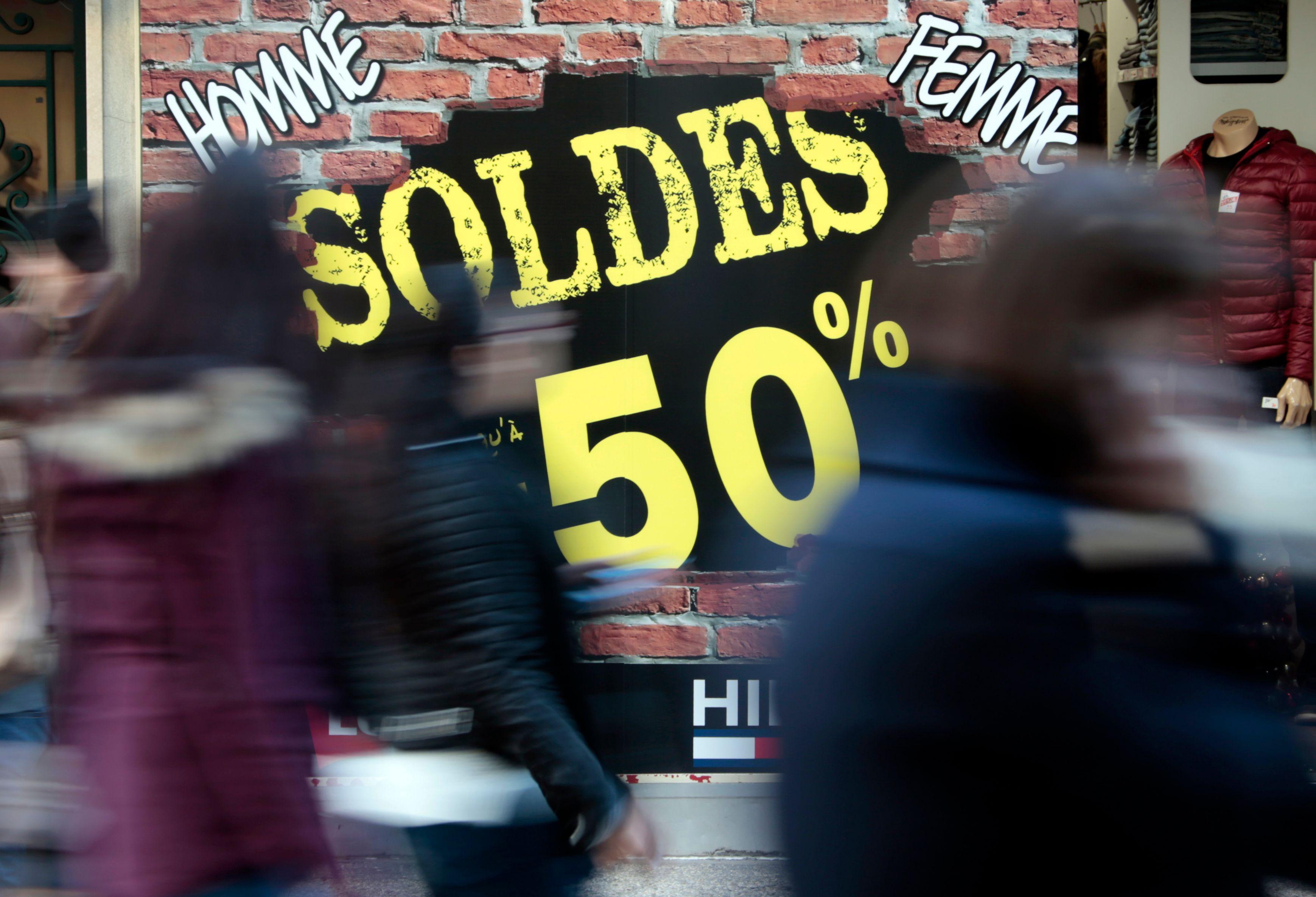 La traditionnelle période des soldes commence mercredi 7 janvier, et s'étirera jusqu'au 17 février.