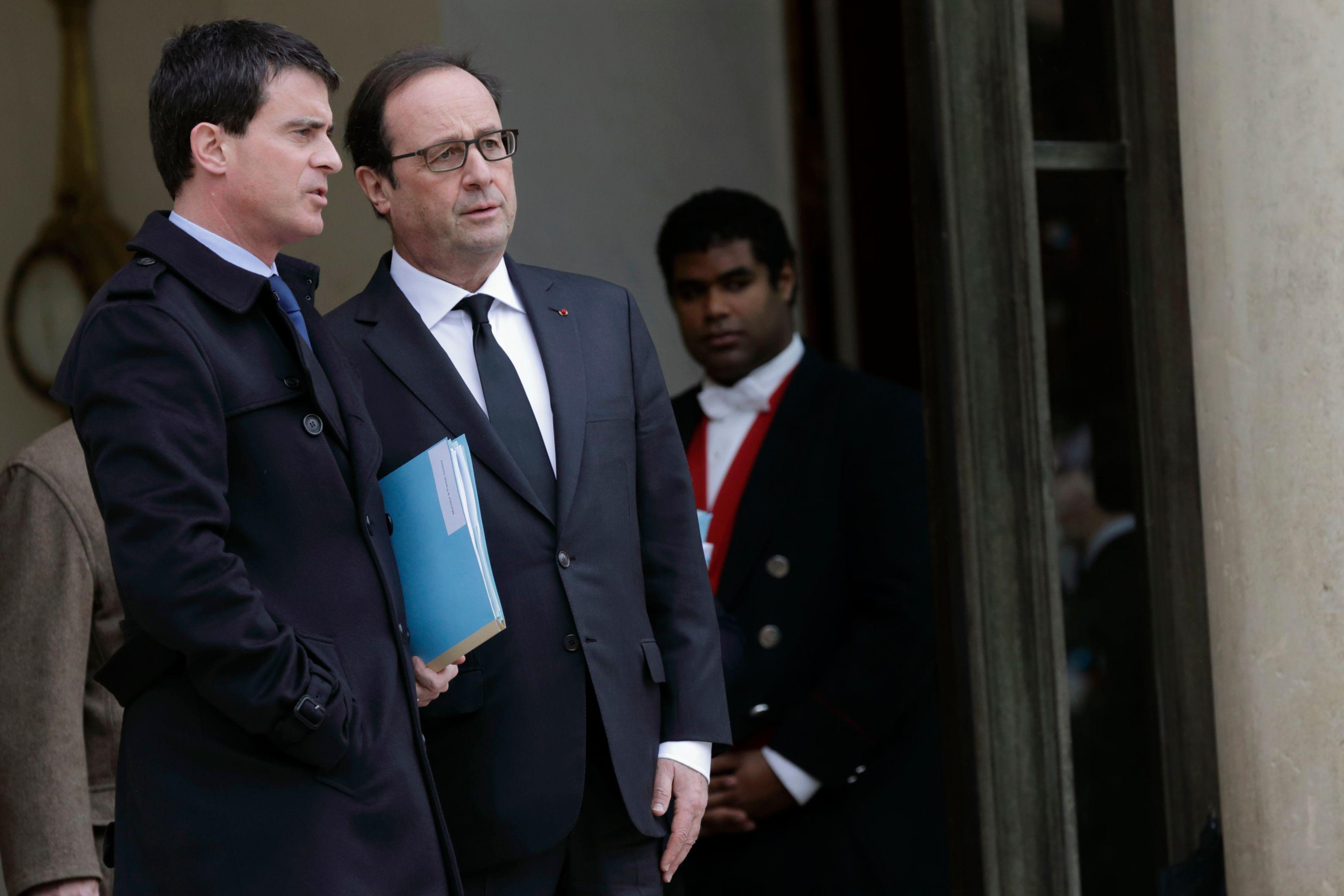 Cote de popularité : François Hollande et Manuel Valls en baisse, Marine Le Pen progresse