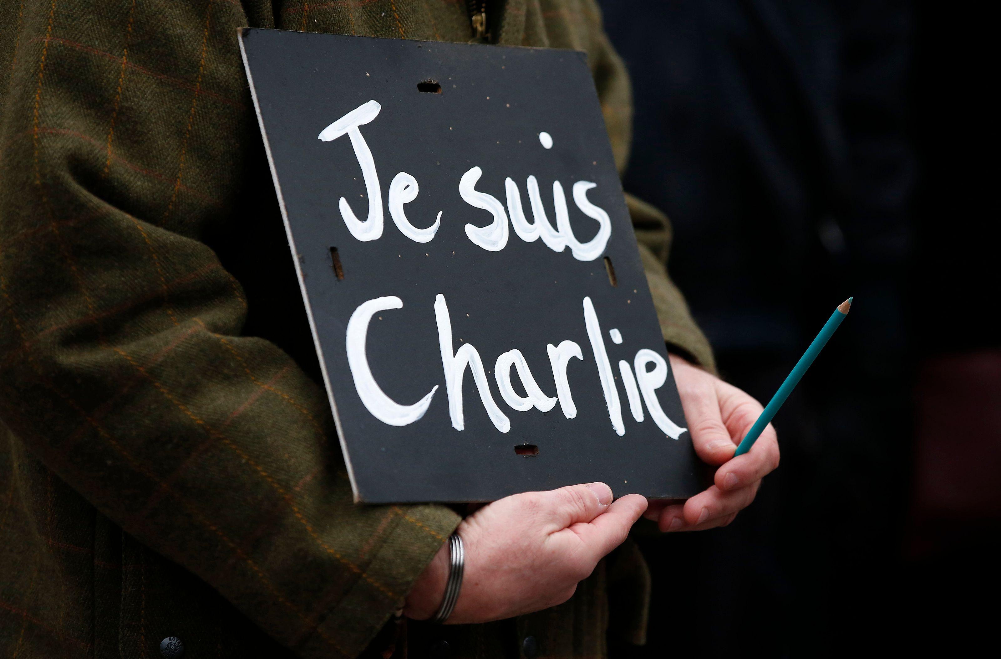 Janvier 2015. Le monde entier assiste avec sidération aux attentats de Paris.