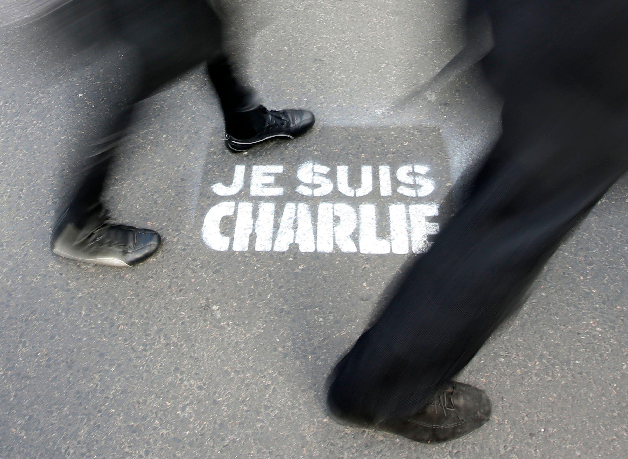 """Pourquoi le """"je suis Charlie"""" recrée le clivage droite gauche plus que tout autre enjeu politique actuel"""