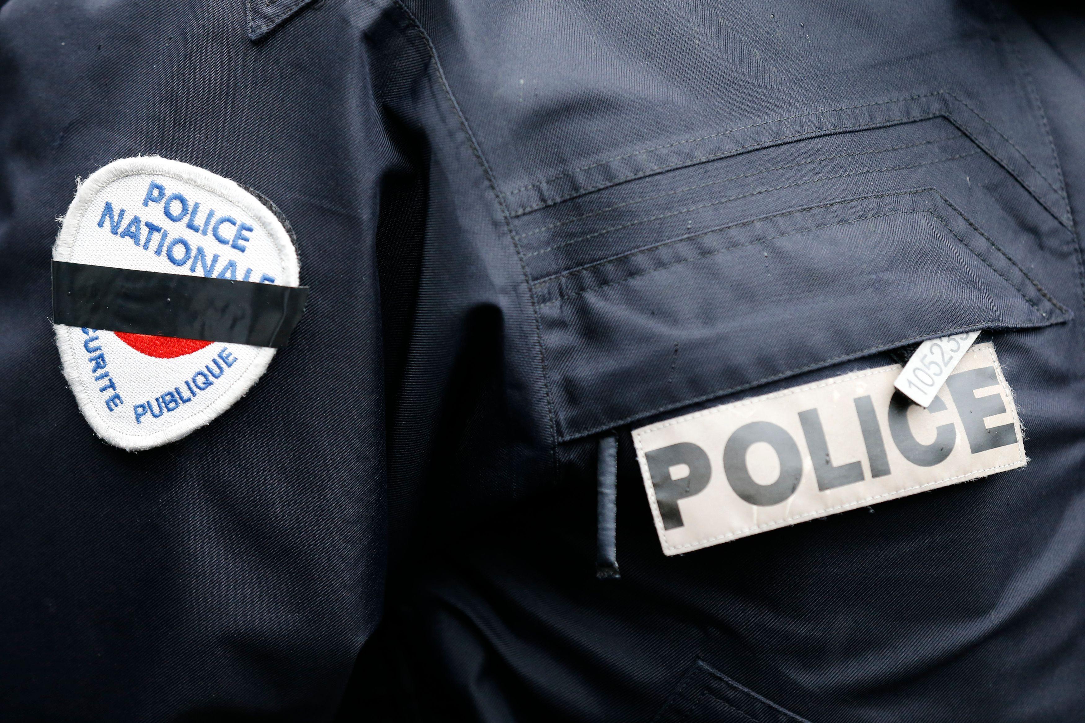 """Bernard Cazeneuve évoque une """"révoltante agression antisémite""""."""