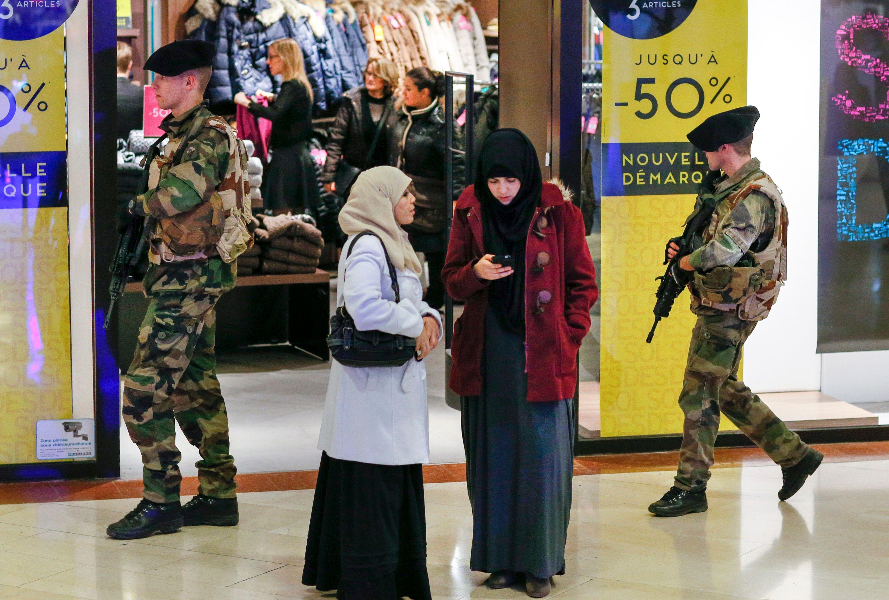 L'Observatoire national contre l'islamophobie, instance membre du Conseil français du culte musulman, a recensé 116 actes antimusulmans en France depuis les attentats.
