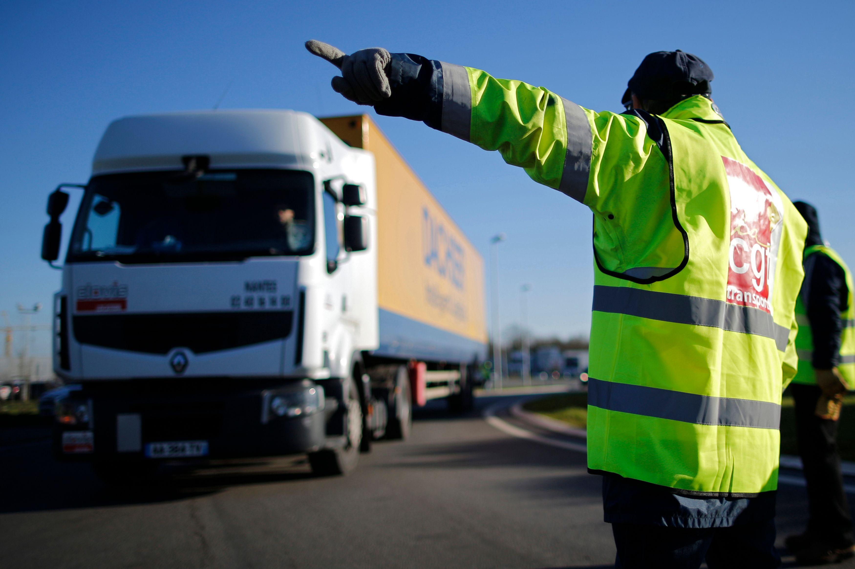 Les routiers en grève, échec sur le dialogue social et la loi Macron... Les 10 infos éco de la semaine qu'il ne fallait pas rater