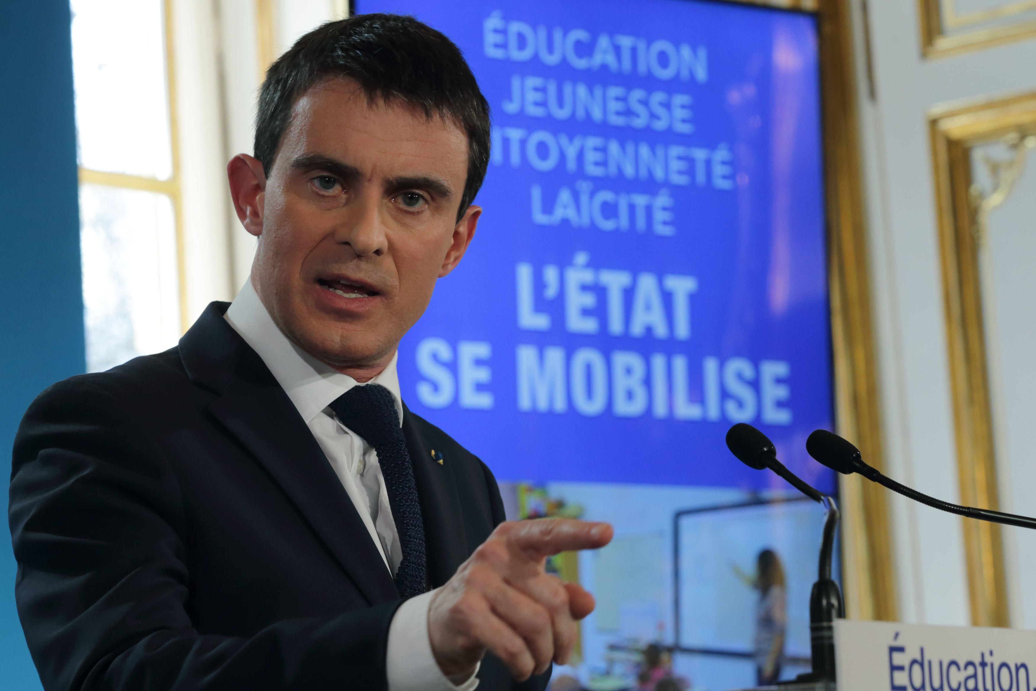 """""""Depuis un an, grâce à nos initiatives, près de 1 900 signalements ont été reçus"""" a rappelé Manuel Valls."""
