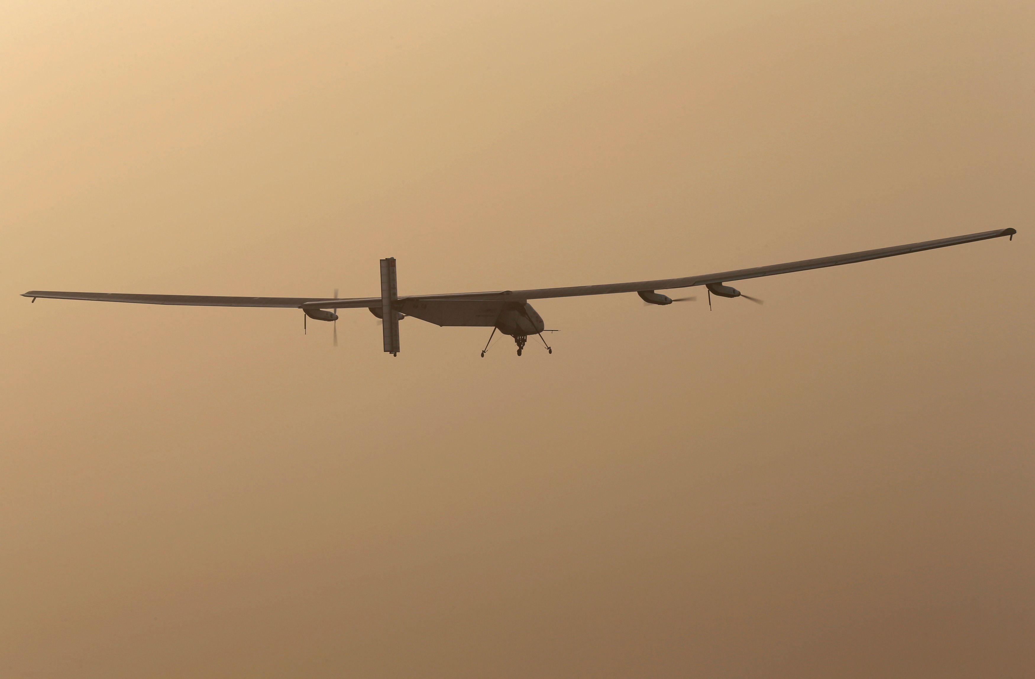 Solar Impulse 2 : cet extraordinaire nouveau-né d'une gamme d'avions solaires futuristes