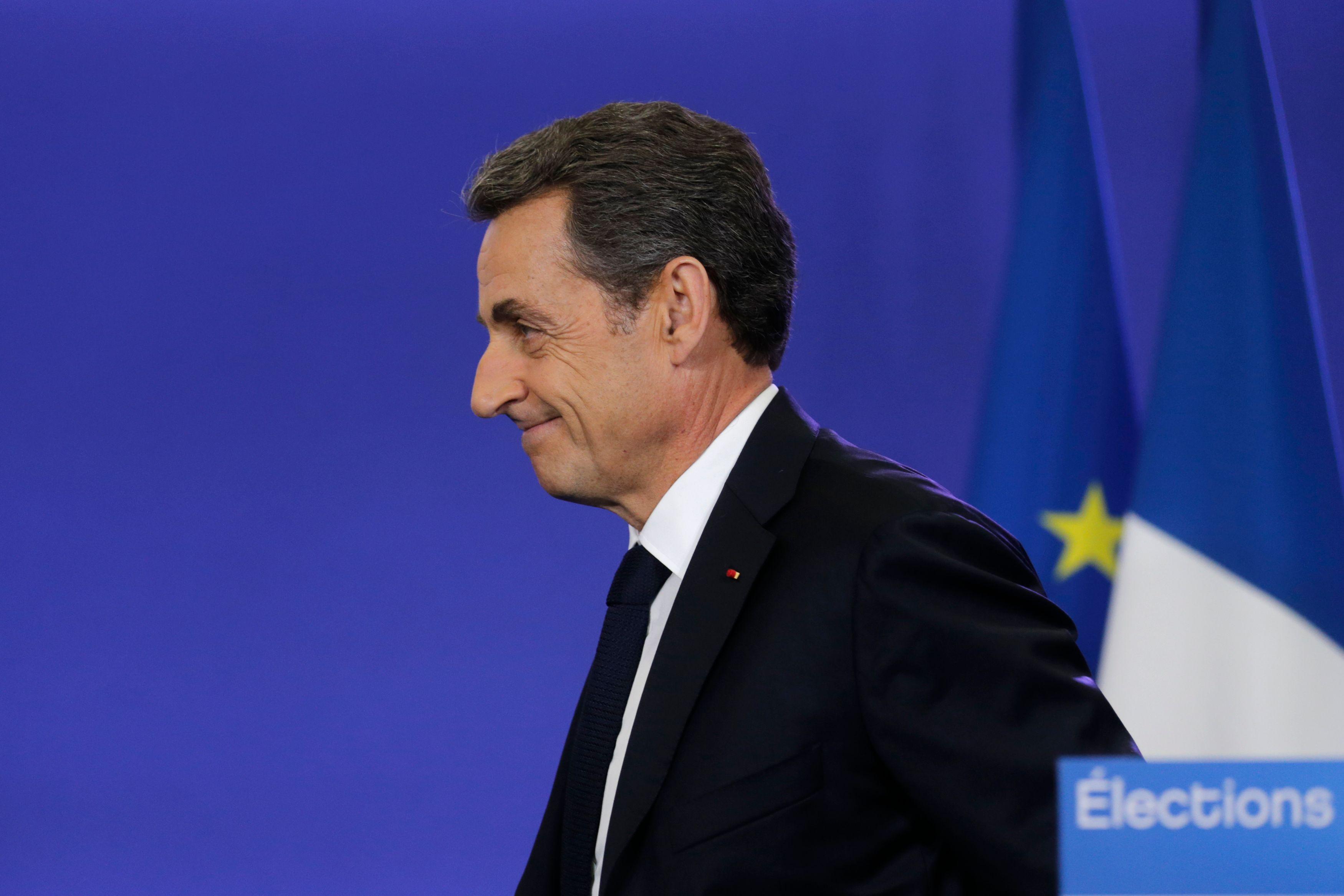 """Incidents du 1er mai lors du défilé du FN : Nicolas Sarkozy fustige """"l'outrance et la violence de certains"""""""