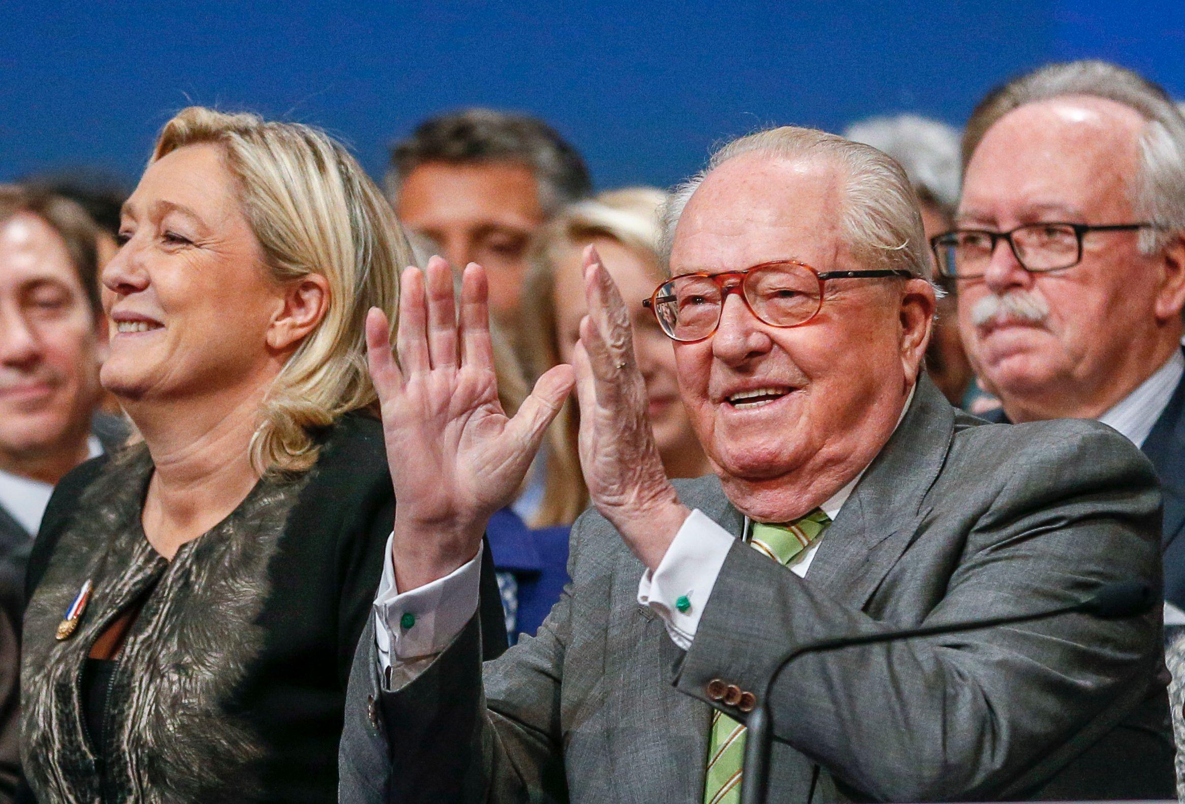 FN : Jean-Marie Le Pen  renonce à se présenter aux régionales, Marion Maréchal-Le Pen et Bruno Gollnisch entrent dans la course
