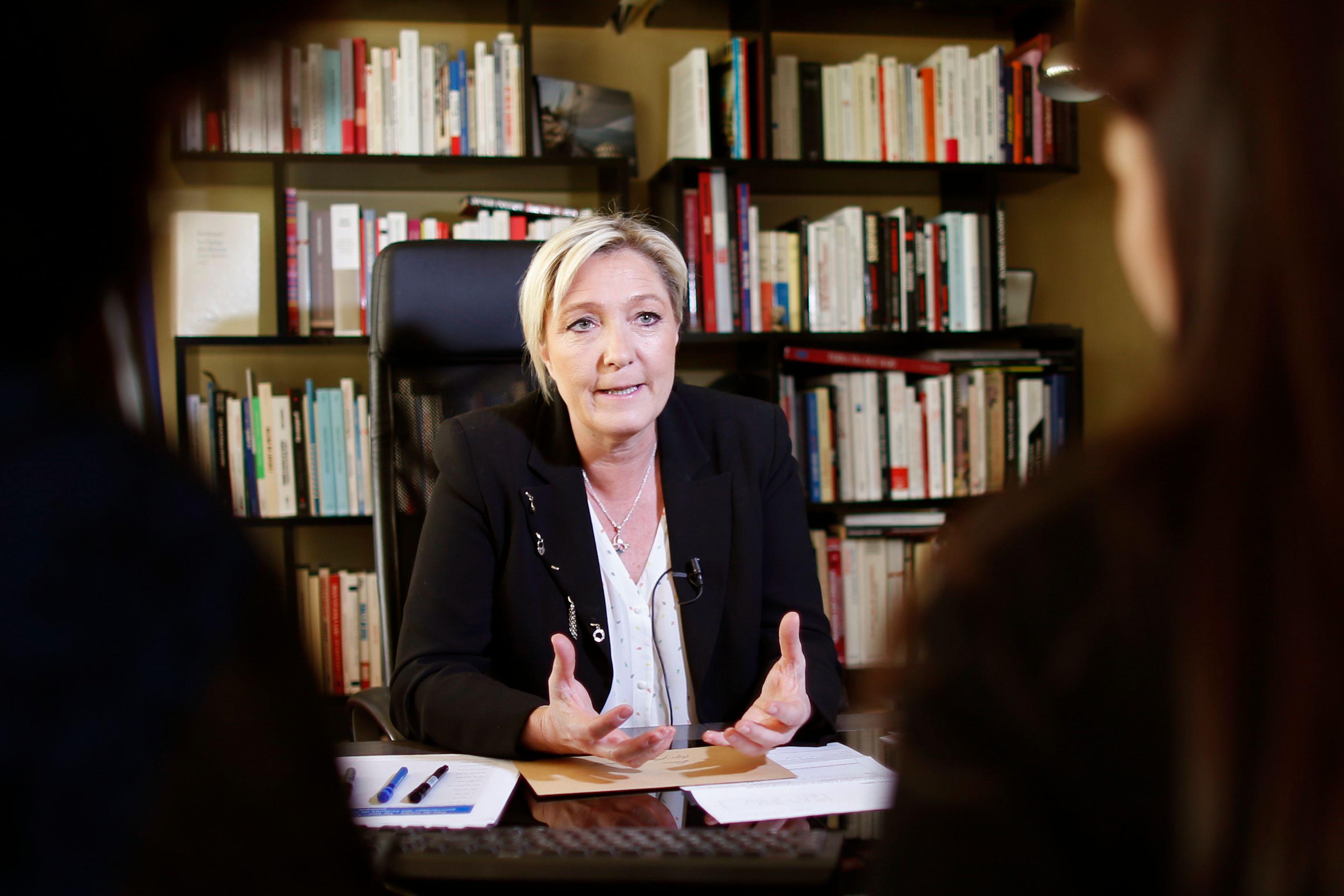 Régionales : large victoire de Marine Le Pen en Nord-Pas-de-Calais-Picardie selon un dernier sondage