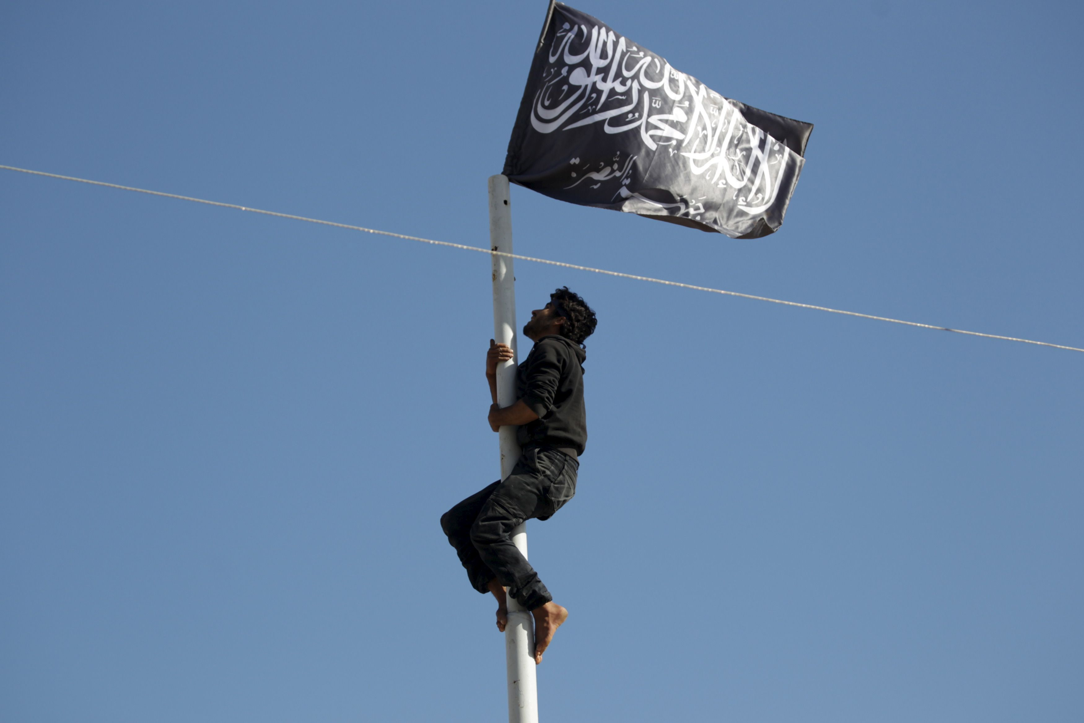 On serait peut-être en train d'assister à une mutation de l'EI vers une stratégie plus proche de celle d'Al-Qaïda.
