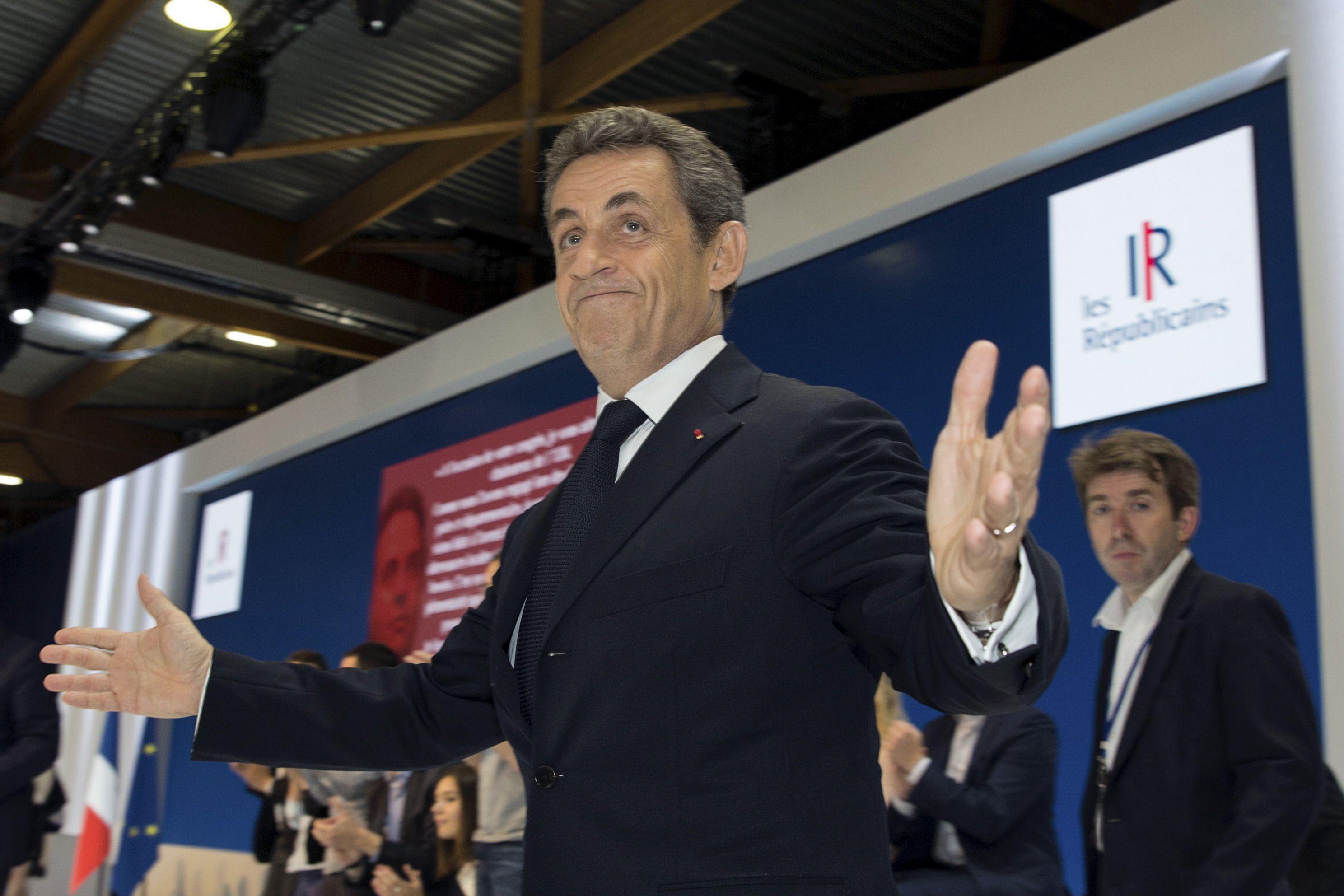 Primaire 2016: Nicolas Sarkozy devancerait Alain Juppé de justesse