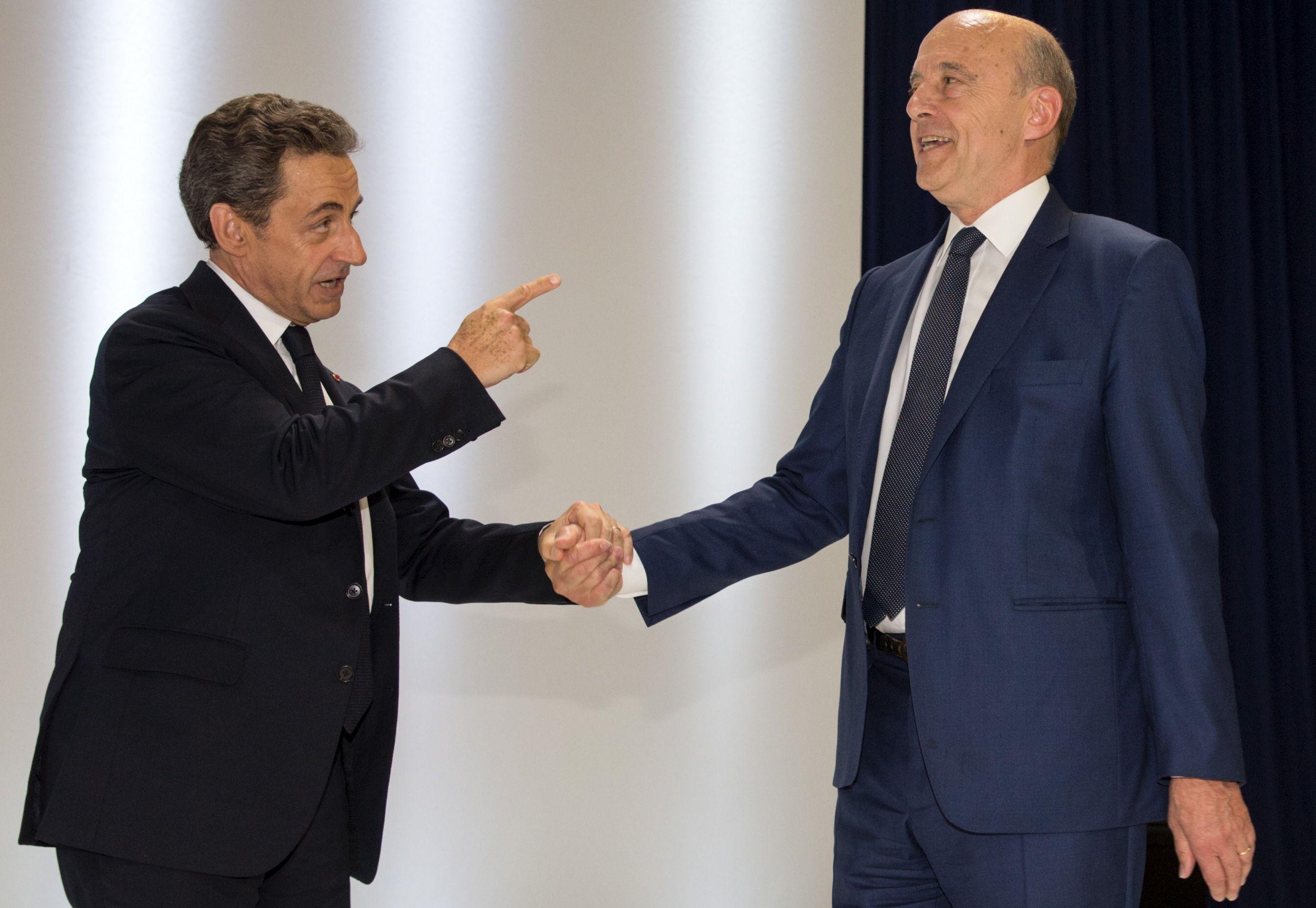 """Alain Juppé accuse Nicolas Sarkozy d'aborder les sujets """"par le petit bout de la lorgnette"""""""