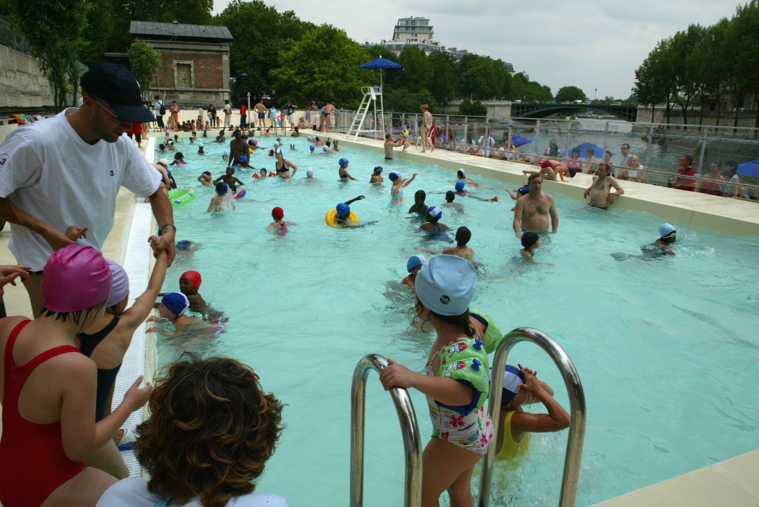 Un cinquième des nageurs urine dans les bassins collectifs.