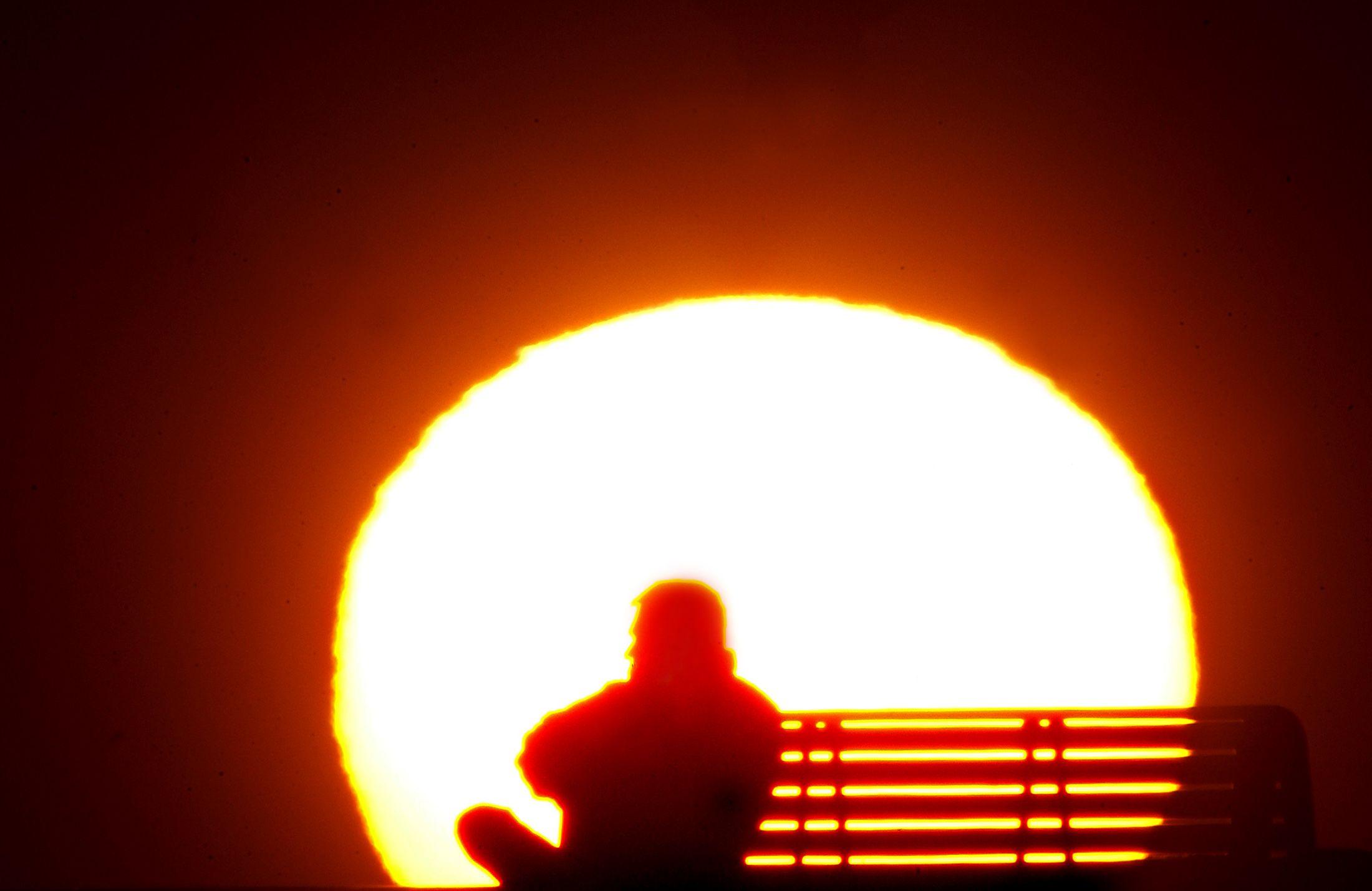 Seuls janvier et avril n'ont pas dépassé les relevés température mensuelle les plus élevés à la surface du globe.