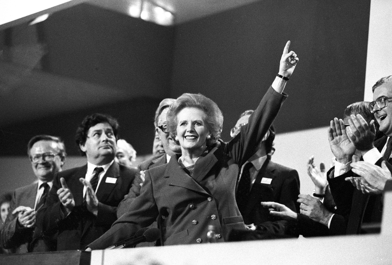 Thatcher, Macron : la détermination affichée par Emmanuel Macron l'inscrit-il dans la lignée de la dame de fer ?