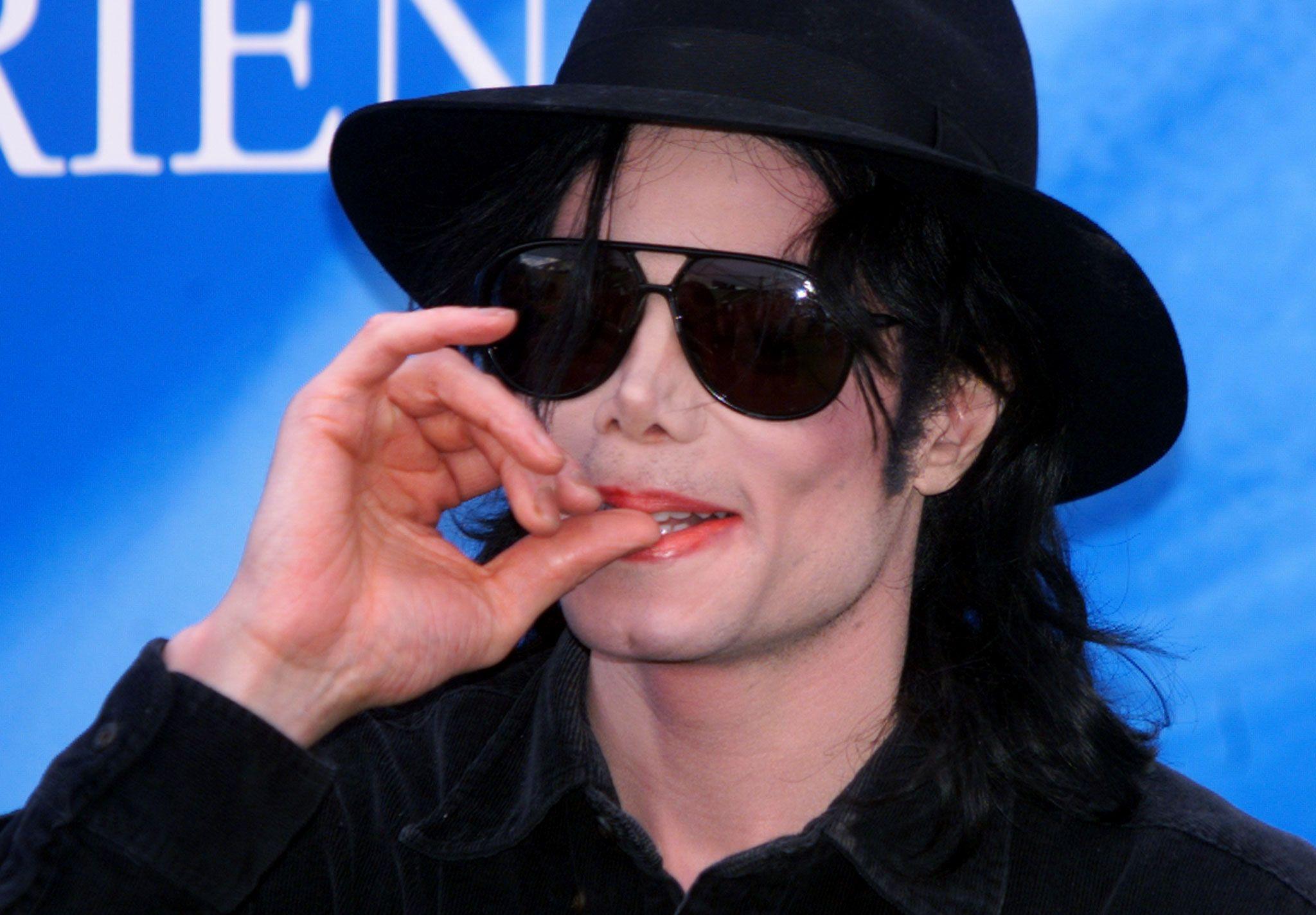 Le Roi de la pop, mort en 2009, est à nouveau accusé de pédophilie.