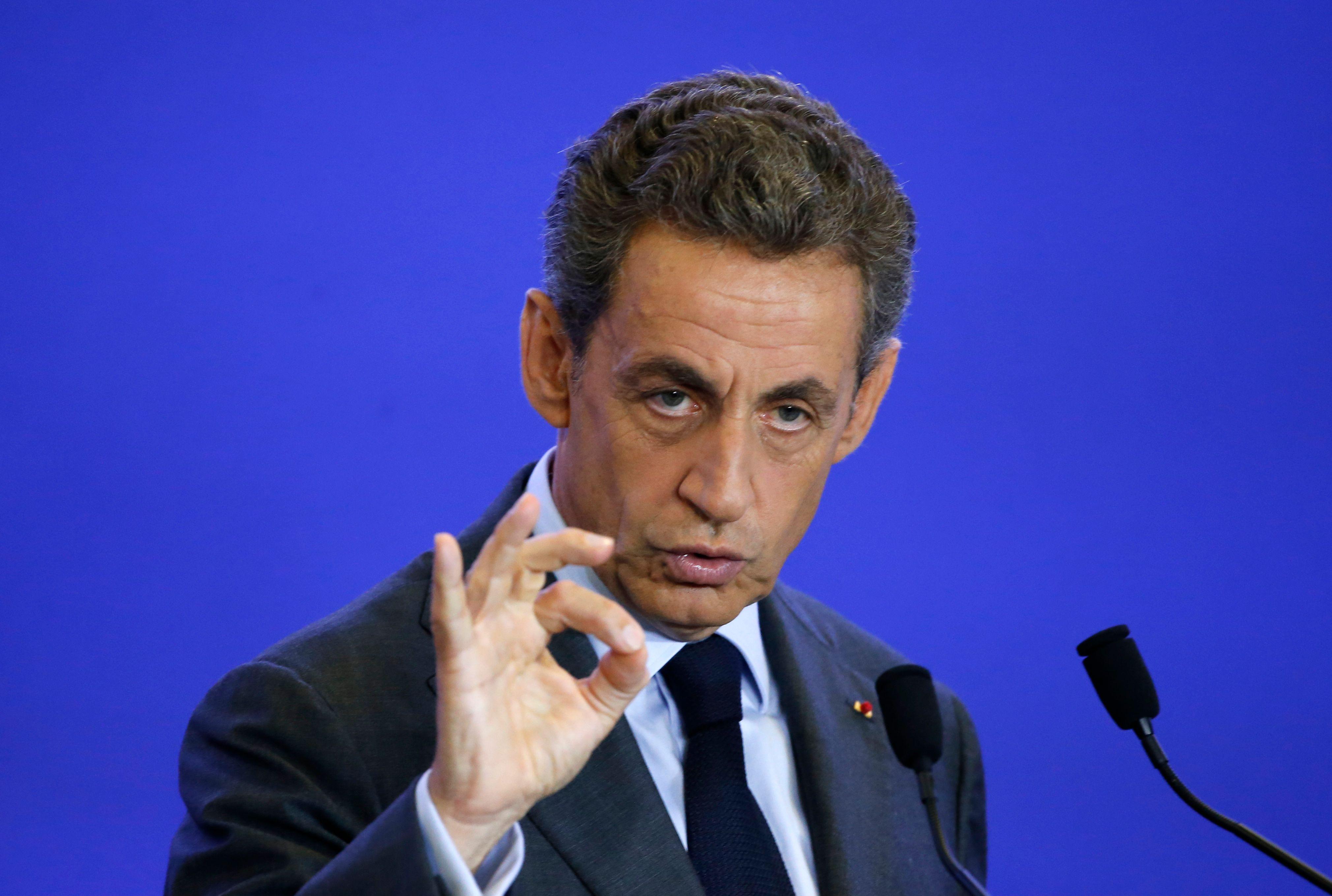 De la Russie à l'autorité de l'Etat, Sarkozy est-il en train de retrouver sa capacité à imposer le tempo du débat politique ?