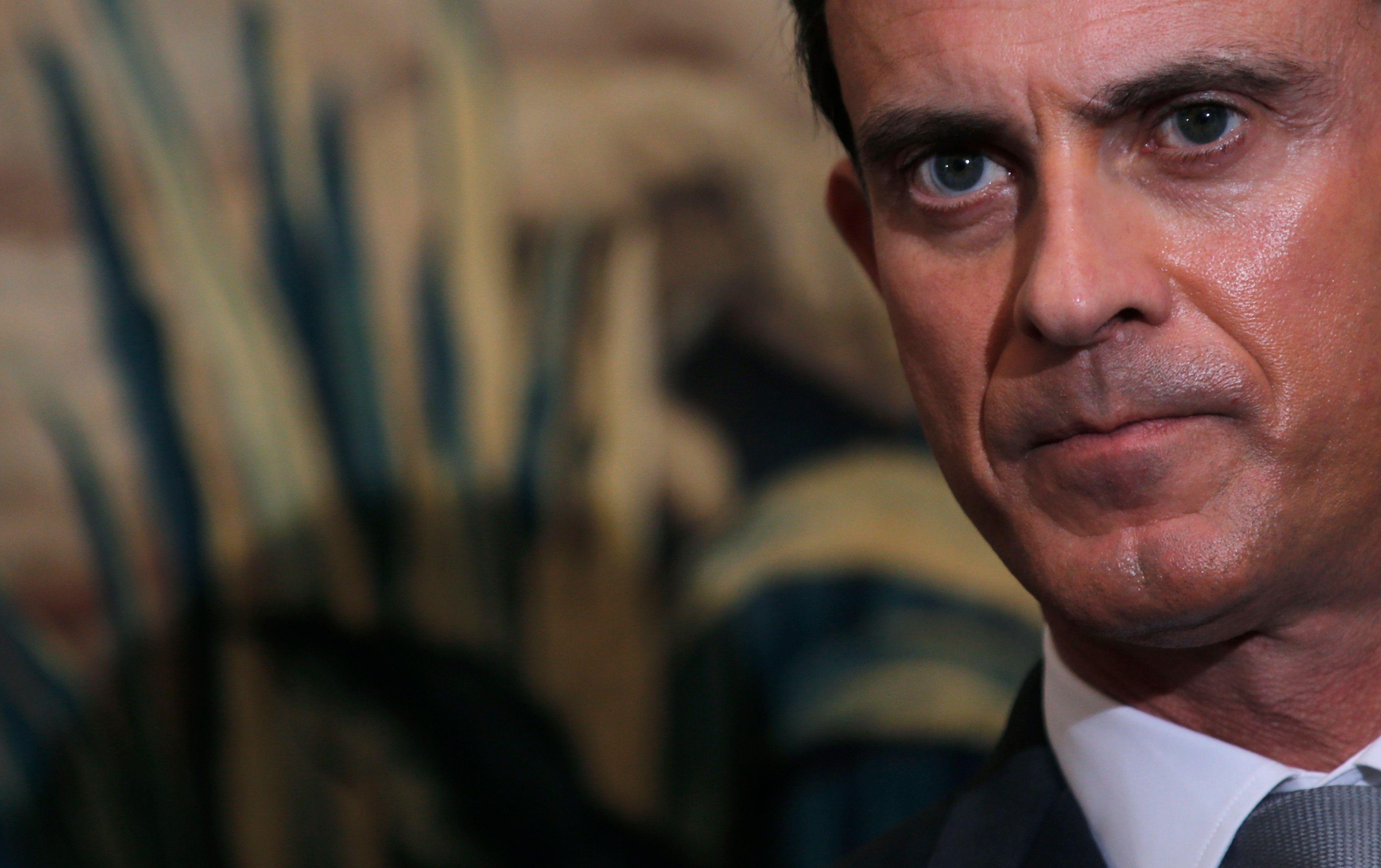 """Manuel Valls souhaite prolonger l'état d'urgence """"jusqu'à ce que nous soyons débarrassés de l'EI"""""""