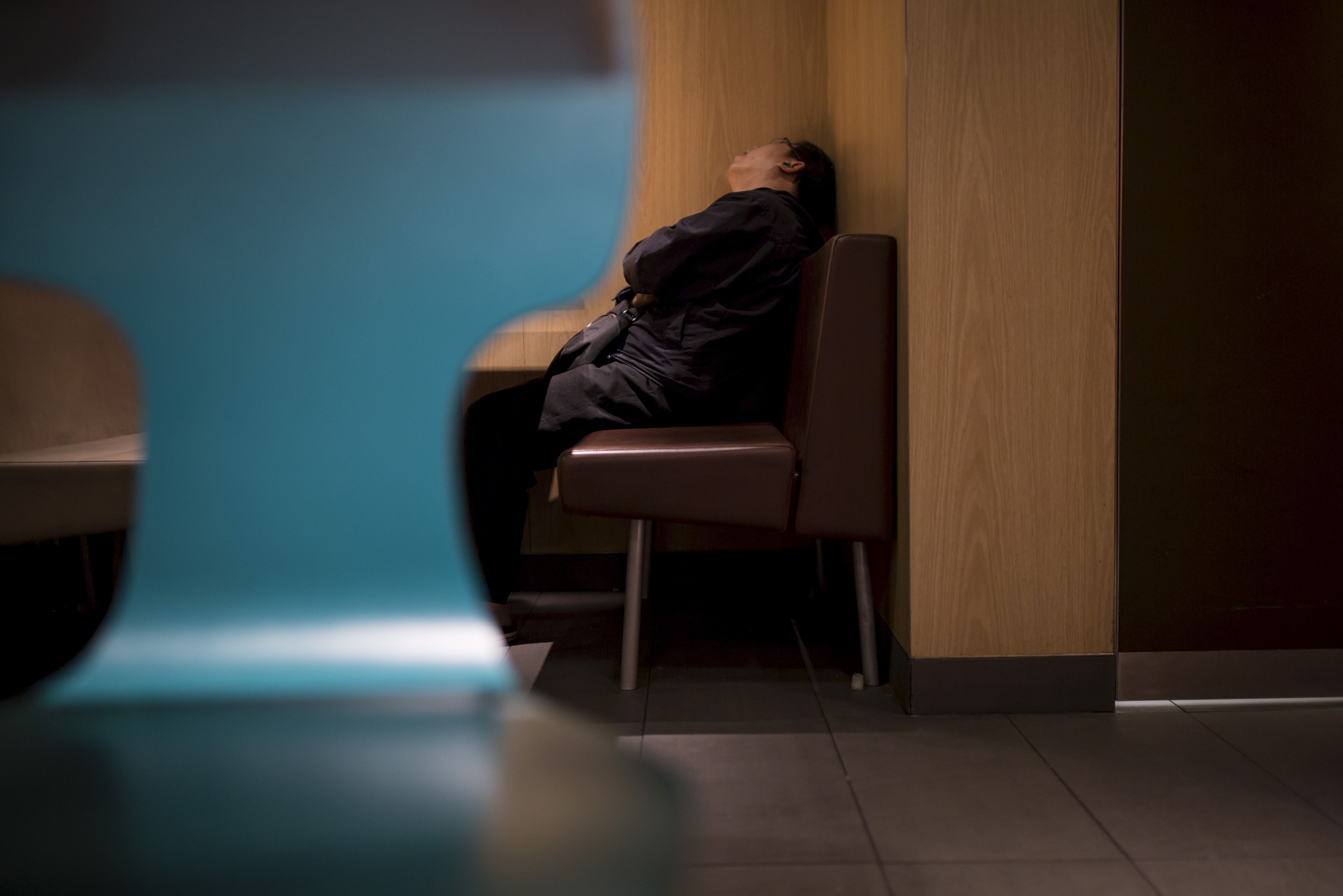 La ministre des Affaires sociales Marisol Touraine a laissé entendre mercredi que le gouvernement ne s'engagerait pas dans la voie risquée consistant à revoir le mode de calcul des retraites des fonctionnaires. La ministre des Affaires sociales Marisol To