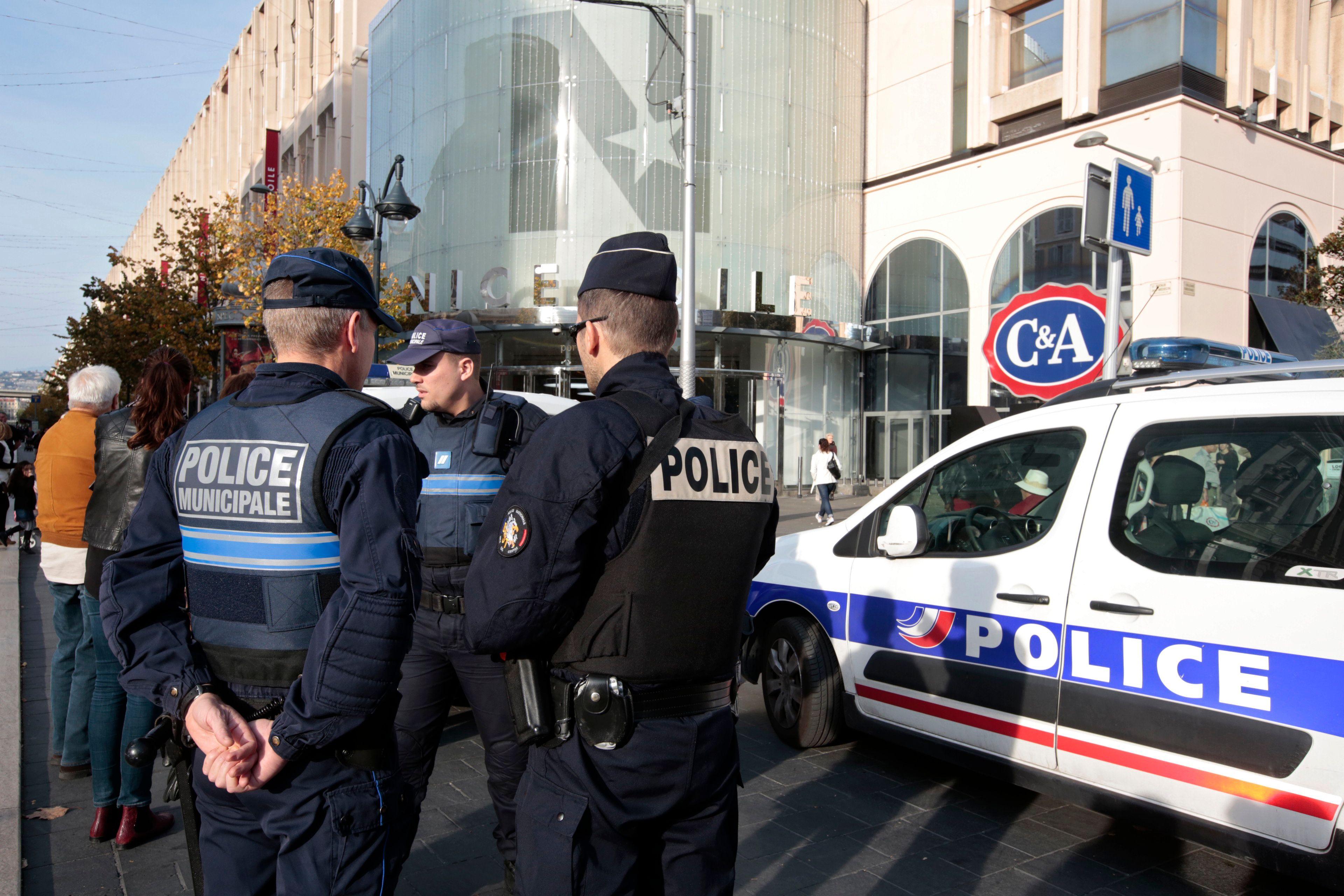 """Après les attentats, 84% des Français favorables """"à une certaine limitation des libertés"""""""