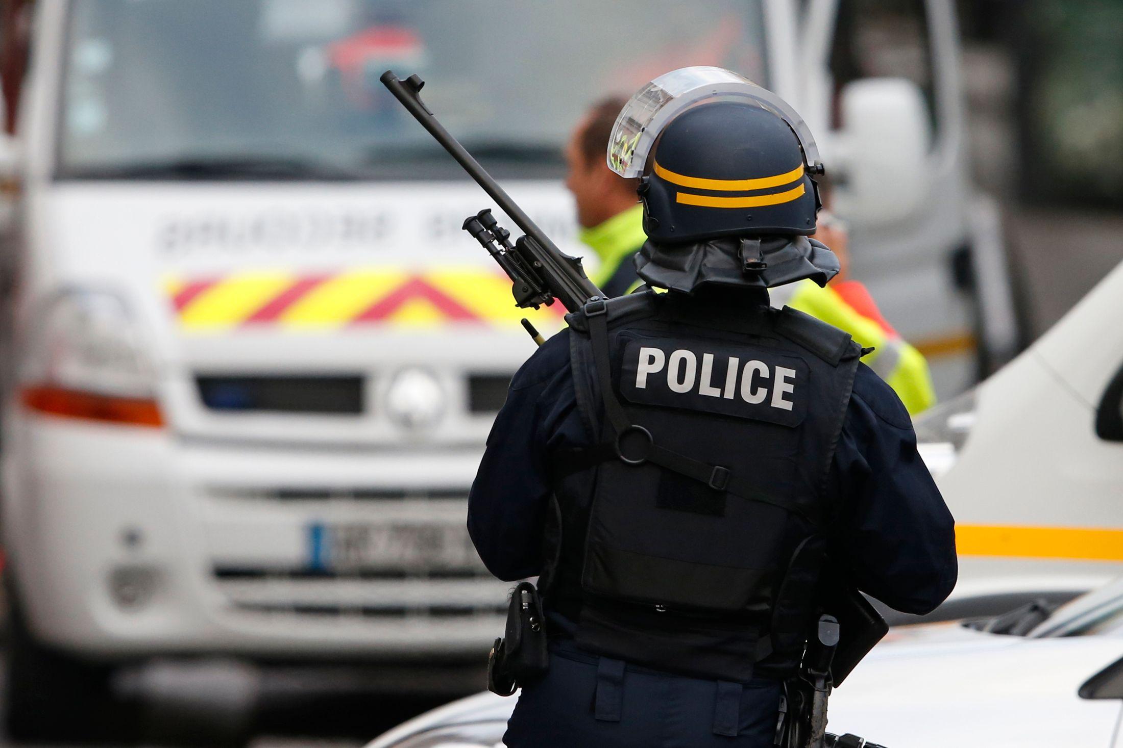 Une cache d'armes découverte en Seine-Saint-Denis
