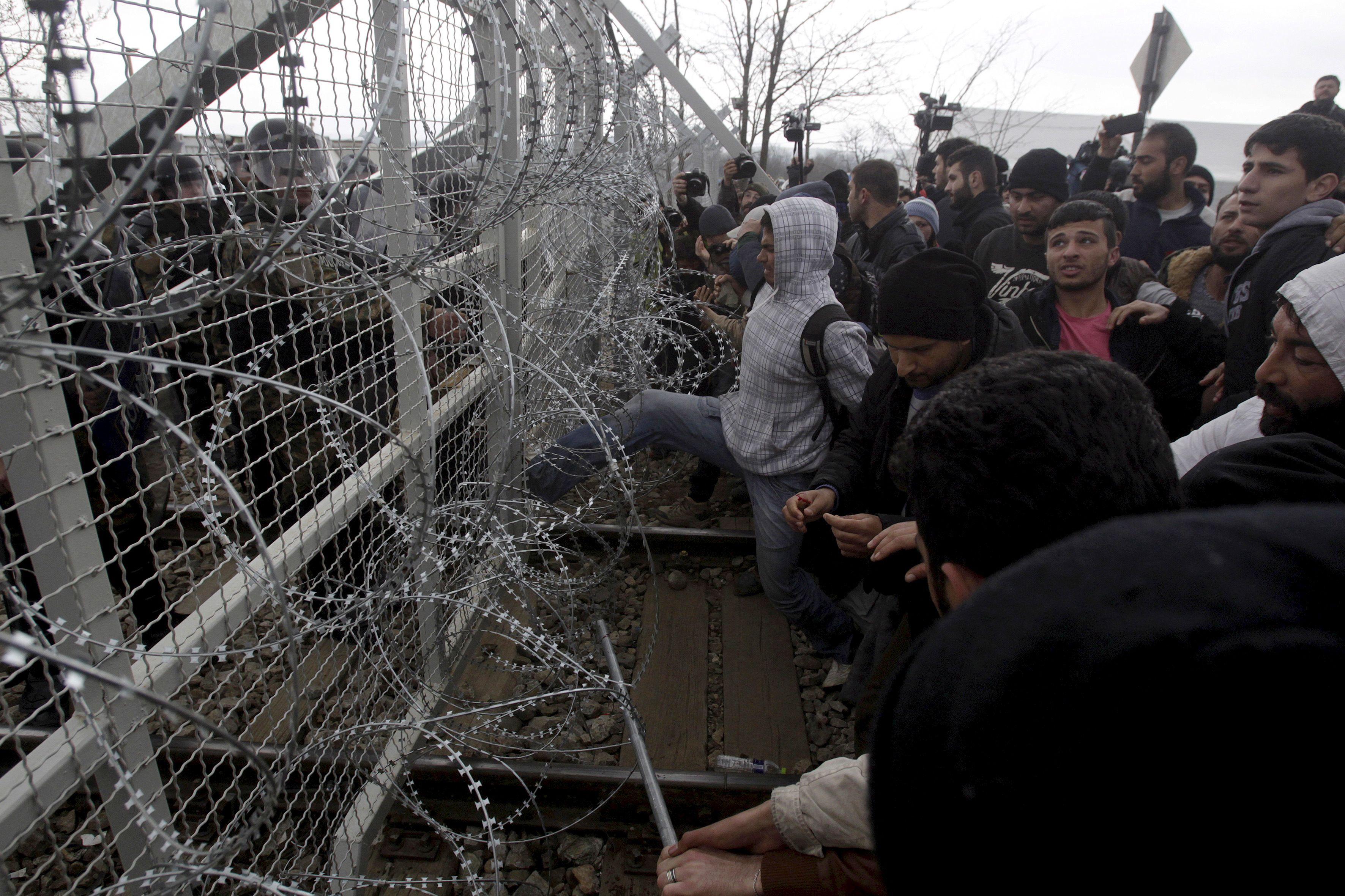 Crise migratoire : cette violence que les demandeurs d'asile essayent de fuir et qu'ils reproduisent dans le pays d'accueil