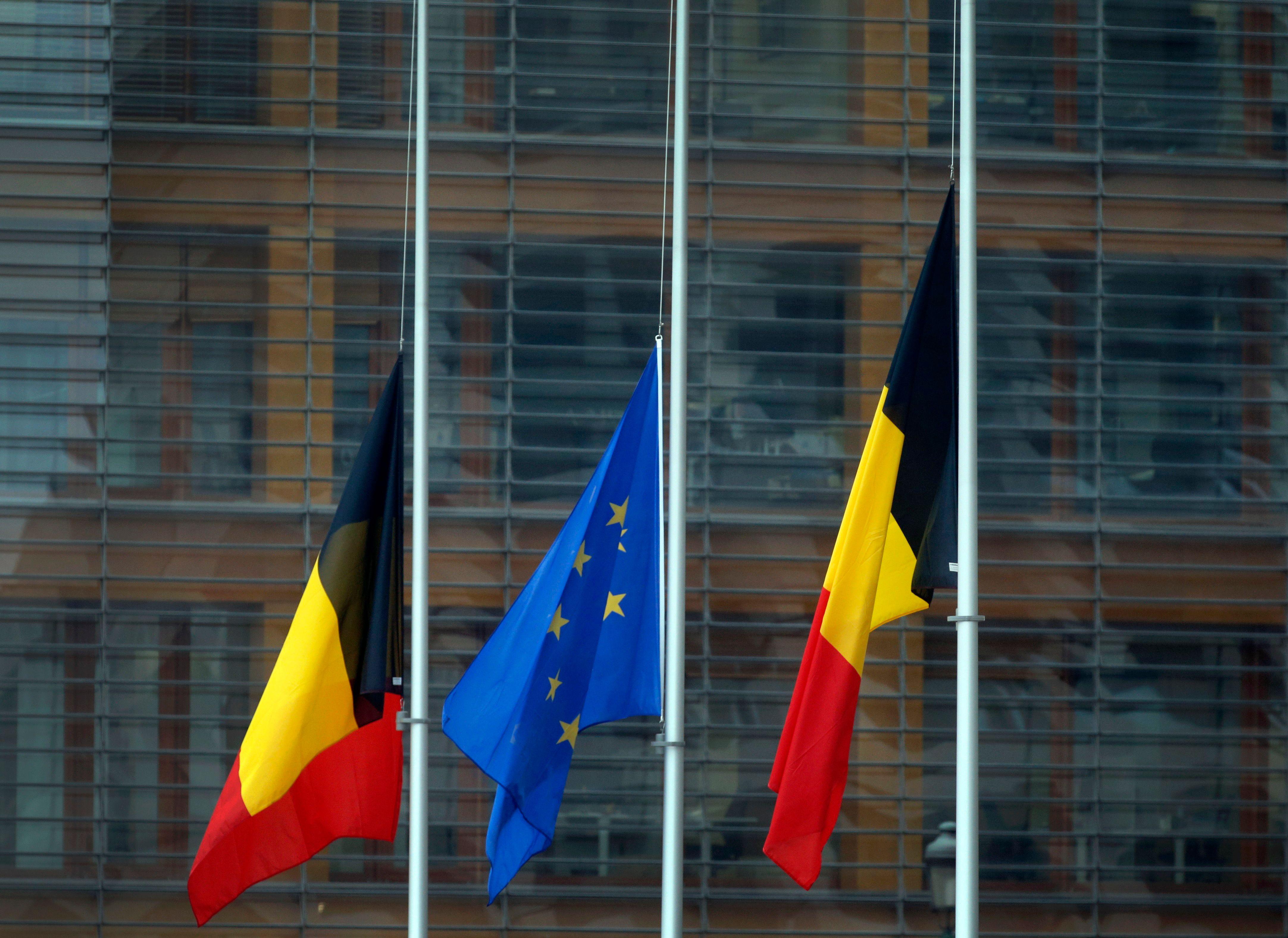 Attentats de Bruxelles : accusée de négligence, la ministre des Transports belge démissionne