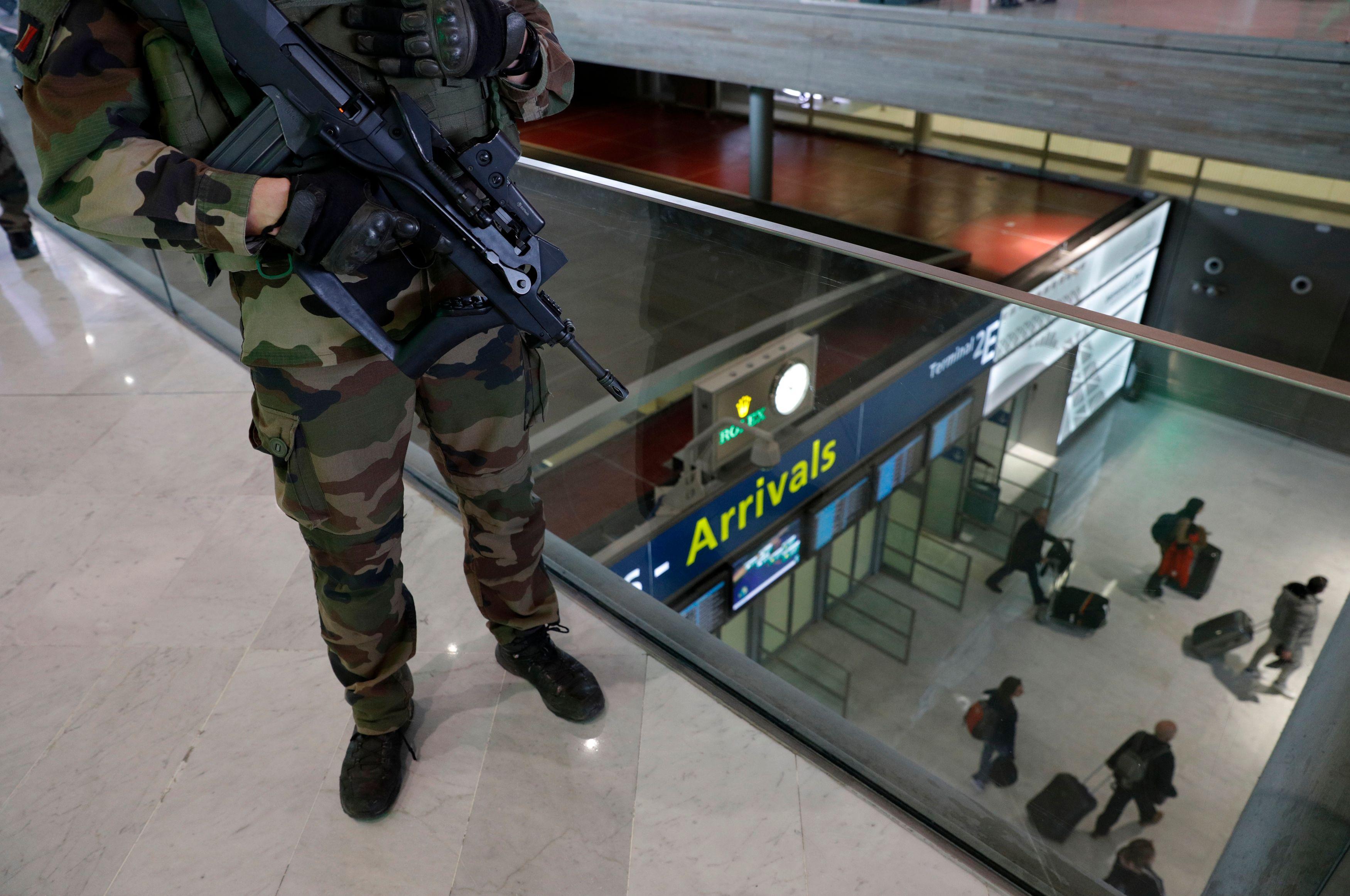 Si le sentiment d'insécurité à très légèrement baissé, la préoccupation des français pour le terrorisme a, quant à elle, littéralement explosé au cours de la même période.
