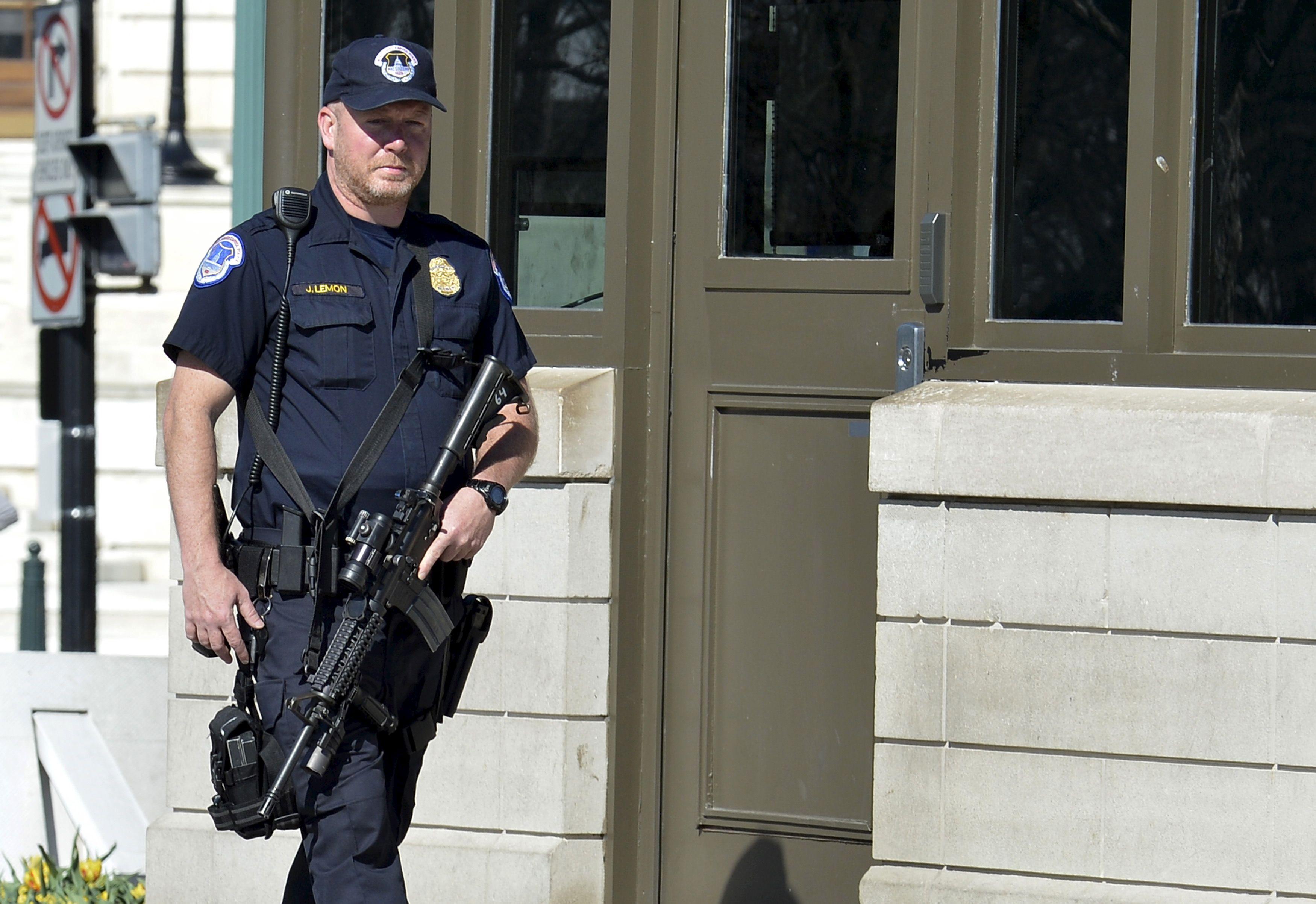 Elections américaines : une fusillade éclate près d'un bureau de vote