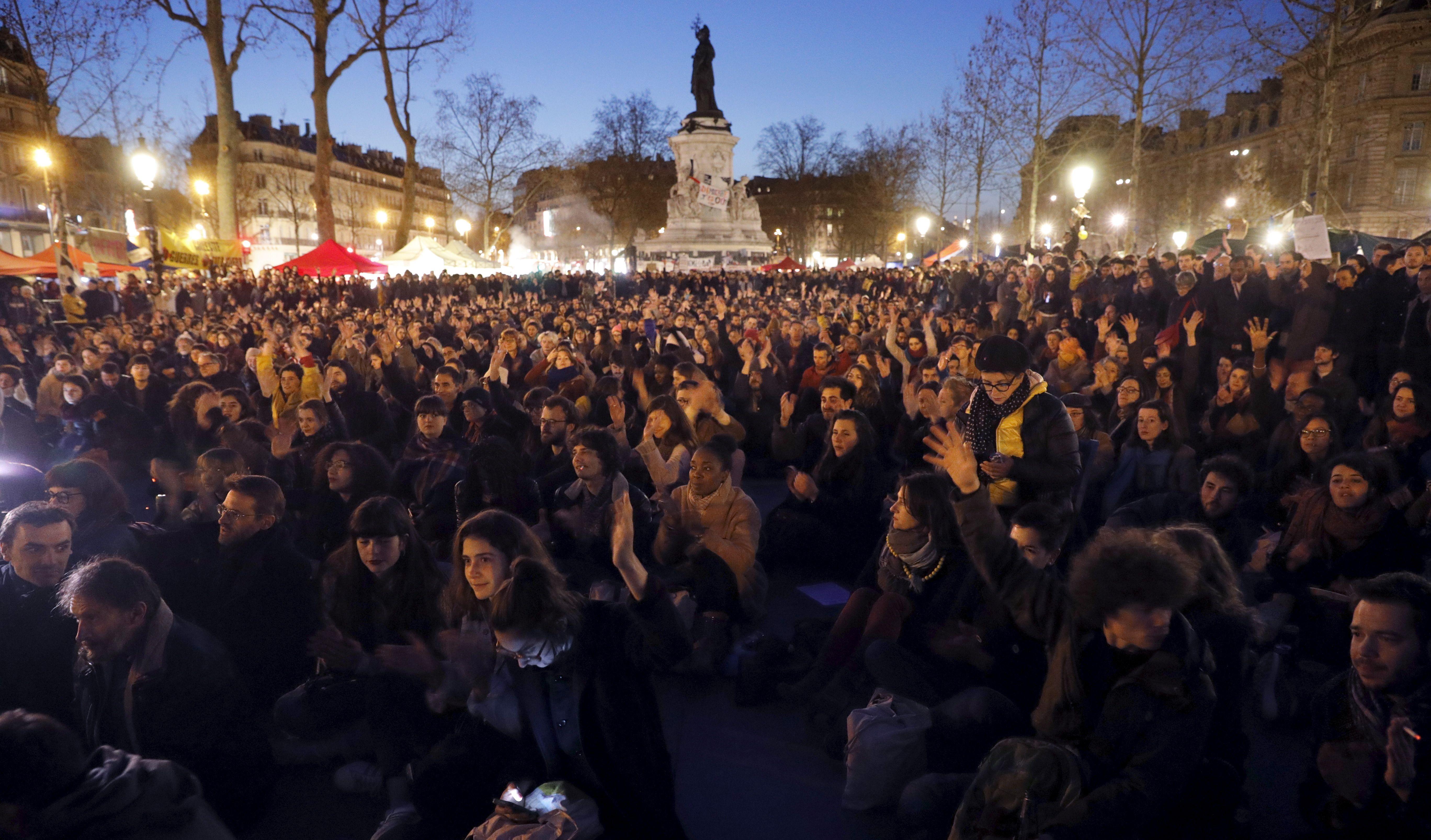 """Le mouvement """"Nuit Debout"""" occupe la place de la République depuis le 31 mars."""