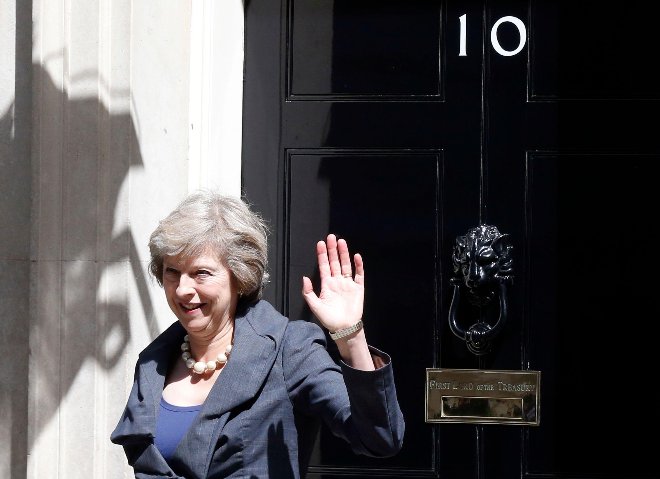 """Brexit : l'Union européenne """"s'unit contre nous"""" fustige Theresa May"""