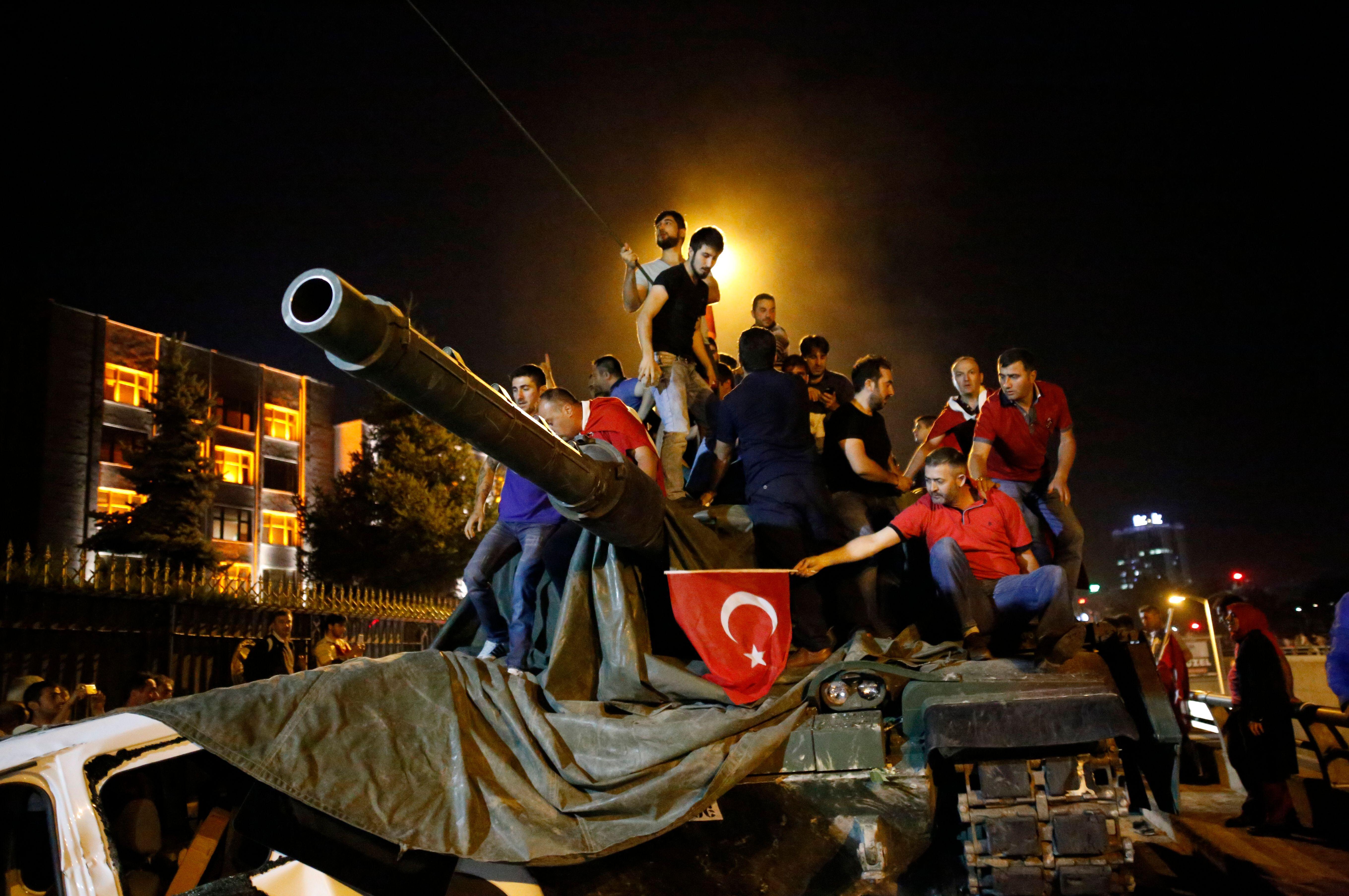 Coup d'Etat en Turquie : pourquoi les racines de la révolte de l'armée contre Erdogan sont nettement plus complexes qu'il n'y paraît