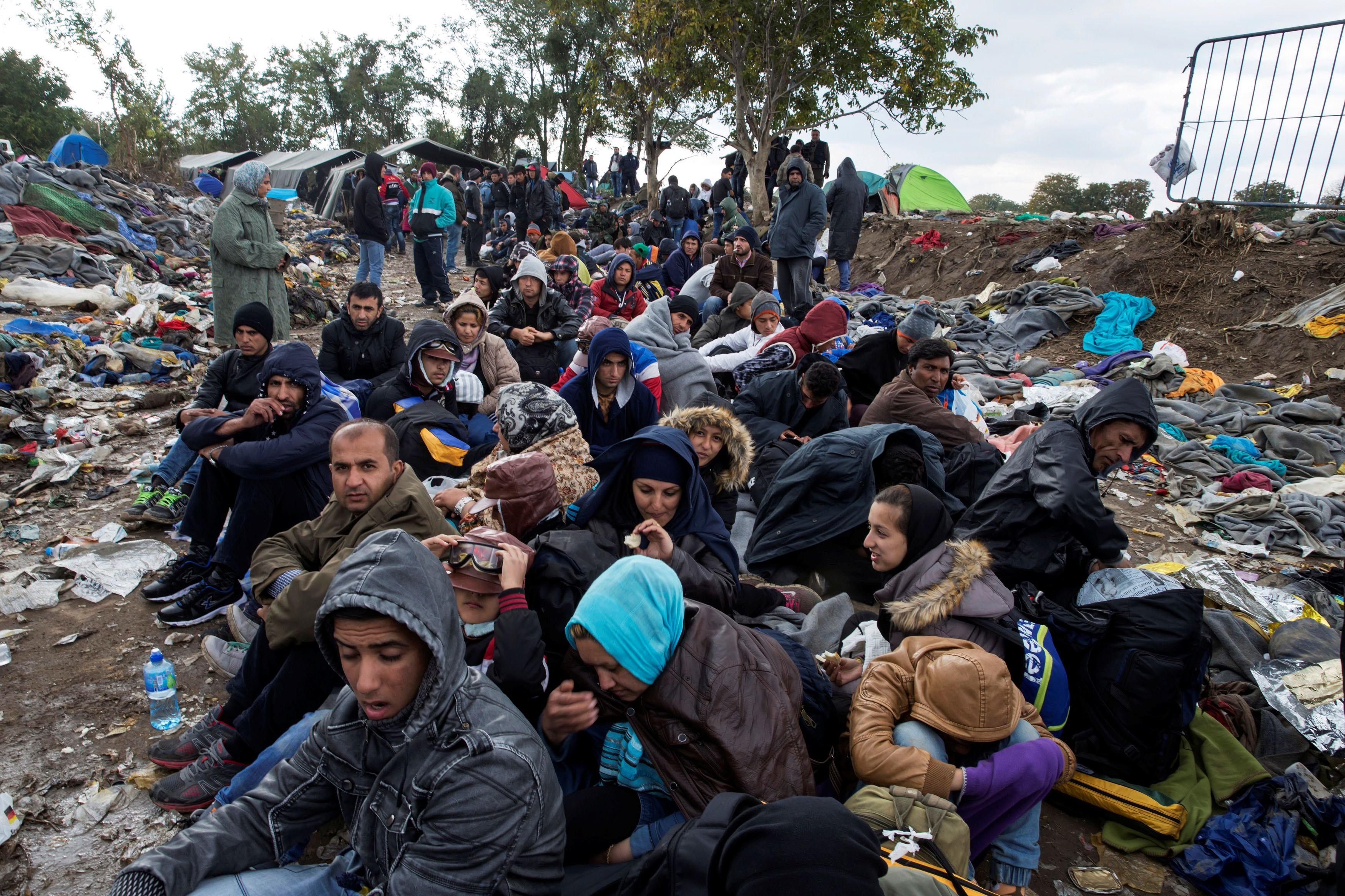 Pour les organisations criminelles, les migrants sont un chargement, une marchandise comme une autre. Il y a parfois des vols de chargements d'un réseau à un autre.